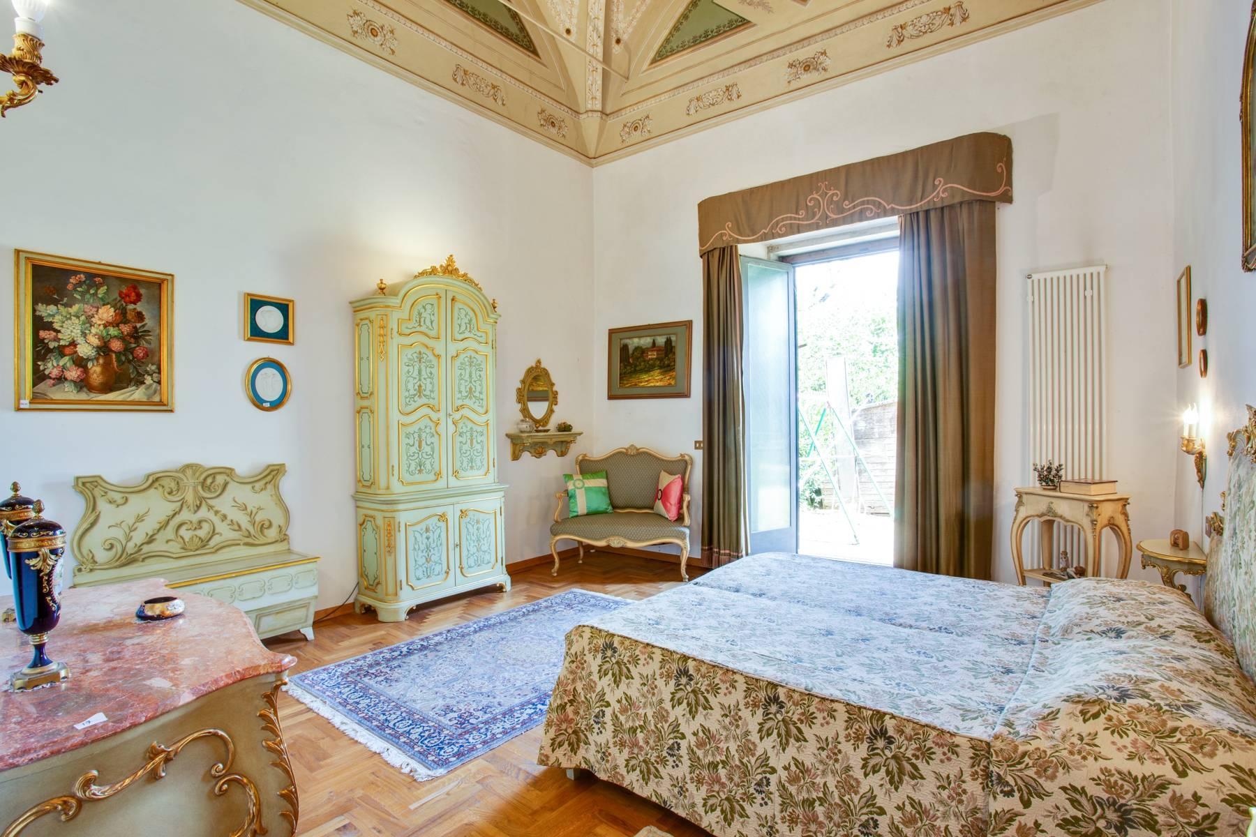Schöne Wohnung in historischer Villa aus dem 16. Jahrhundert mit Garten - 10