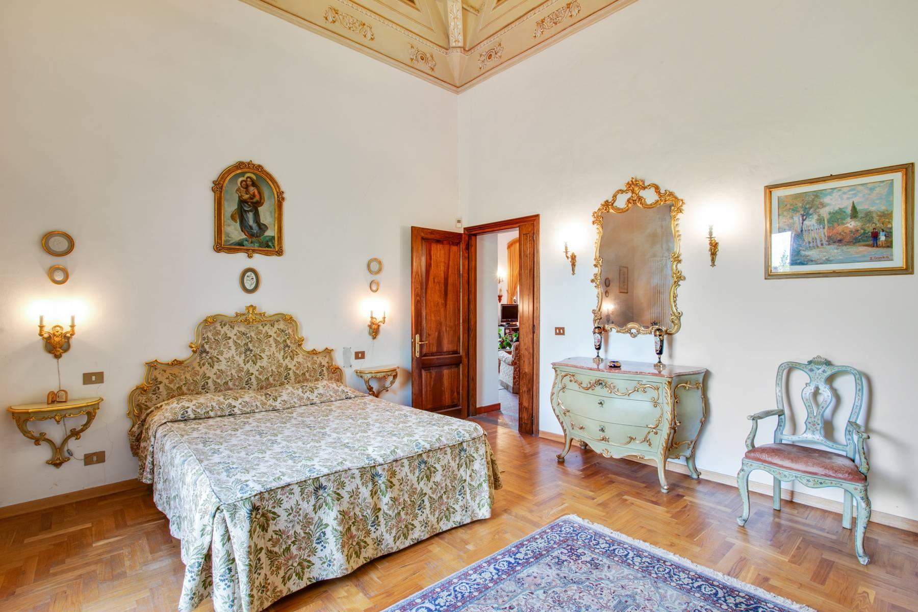 Schöne Wohnung in historischer Villa aus dem 16. Jahrhundert mit Garten - 11