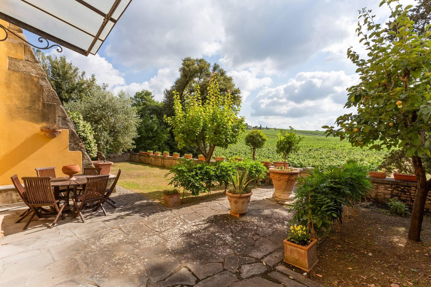Schöne Wohnung in historischer Villa aus dem 16. Jahrhundert mit Garten - 12