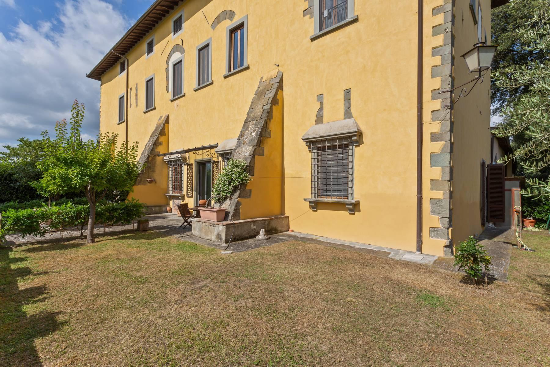 Schöne Wohnung in historischer Villa aus dem 16. Jahrhundert mit Garten - 3
