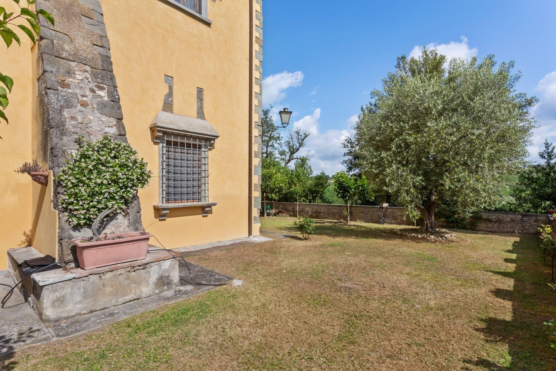 Schöne Wohnung in historischer Villa aus dem 16. Jahrhundert mit Garten - 2
