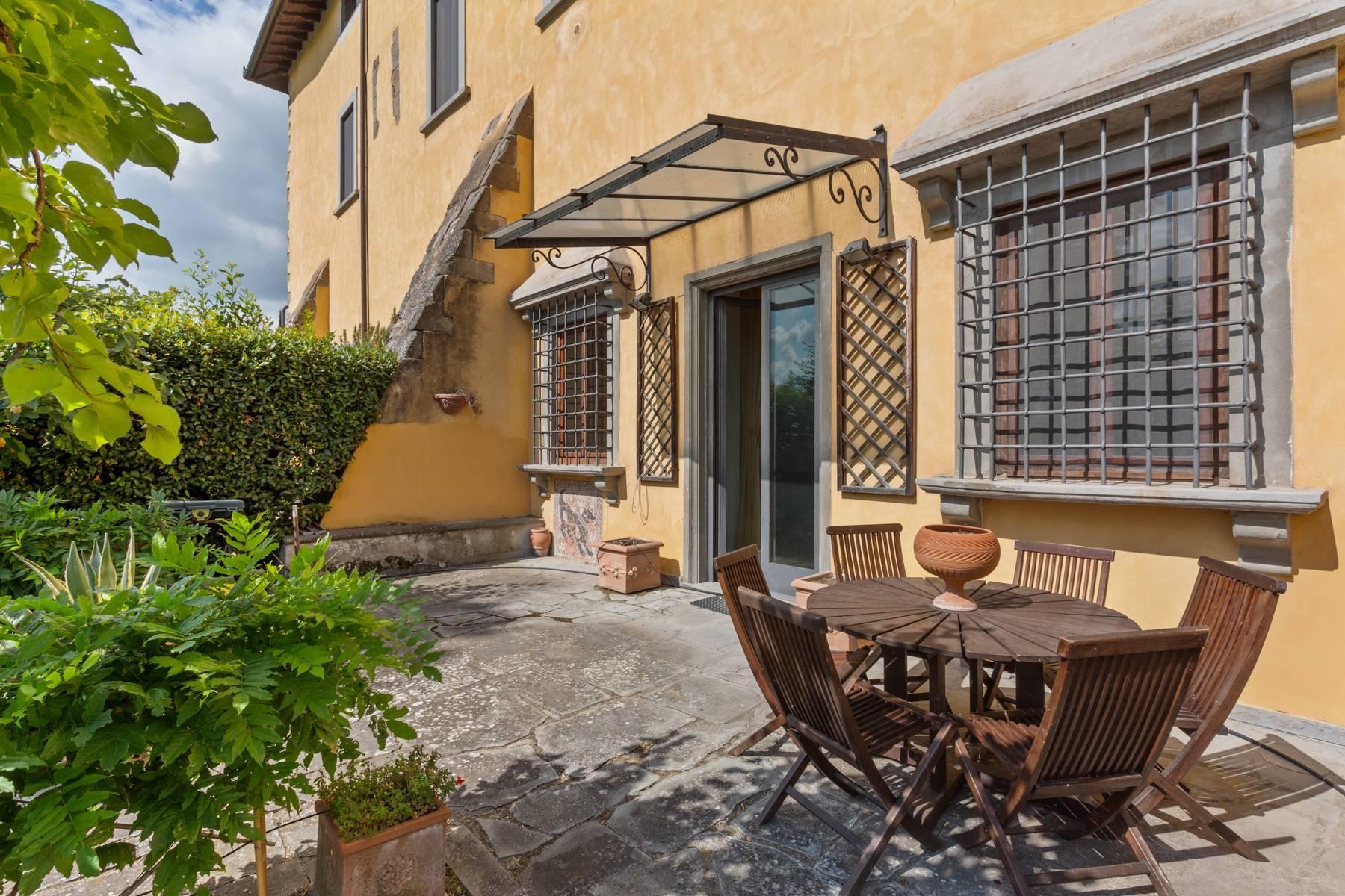 Wonderful apartment in historic villa of XVI century with garden - 9