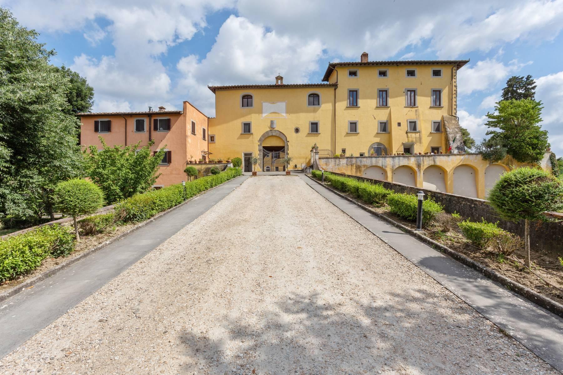 Schöne Wohnung in historischer Villa aus dem 16. Jahrhundert mit Garten - 19