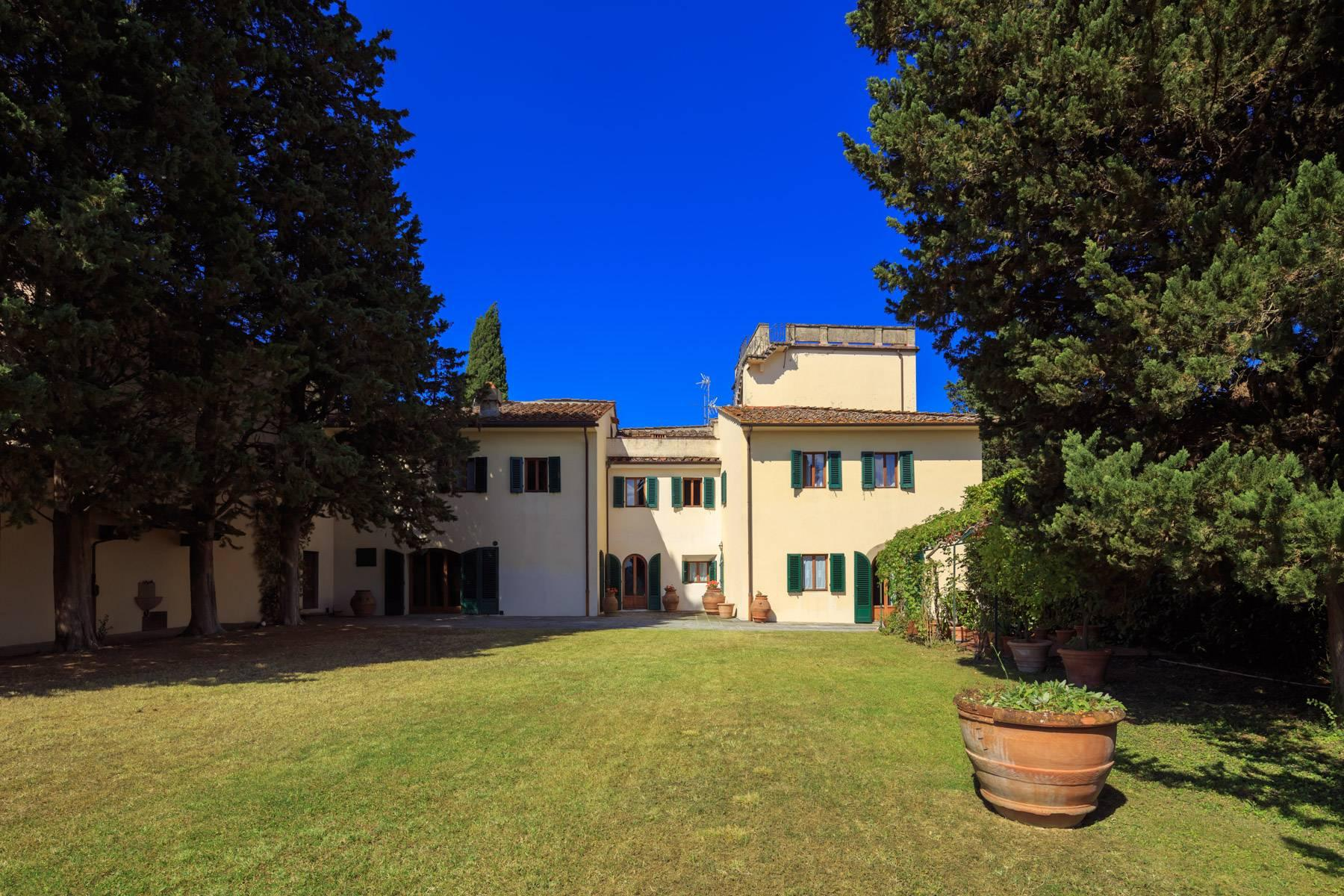 Large period villa with olive grove at 10 minutes' drive from Florence - 1
