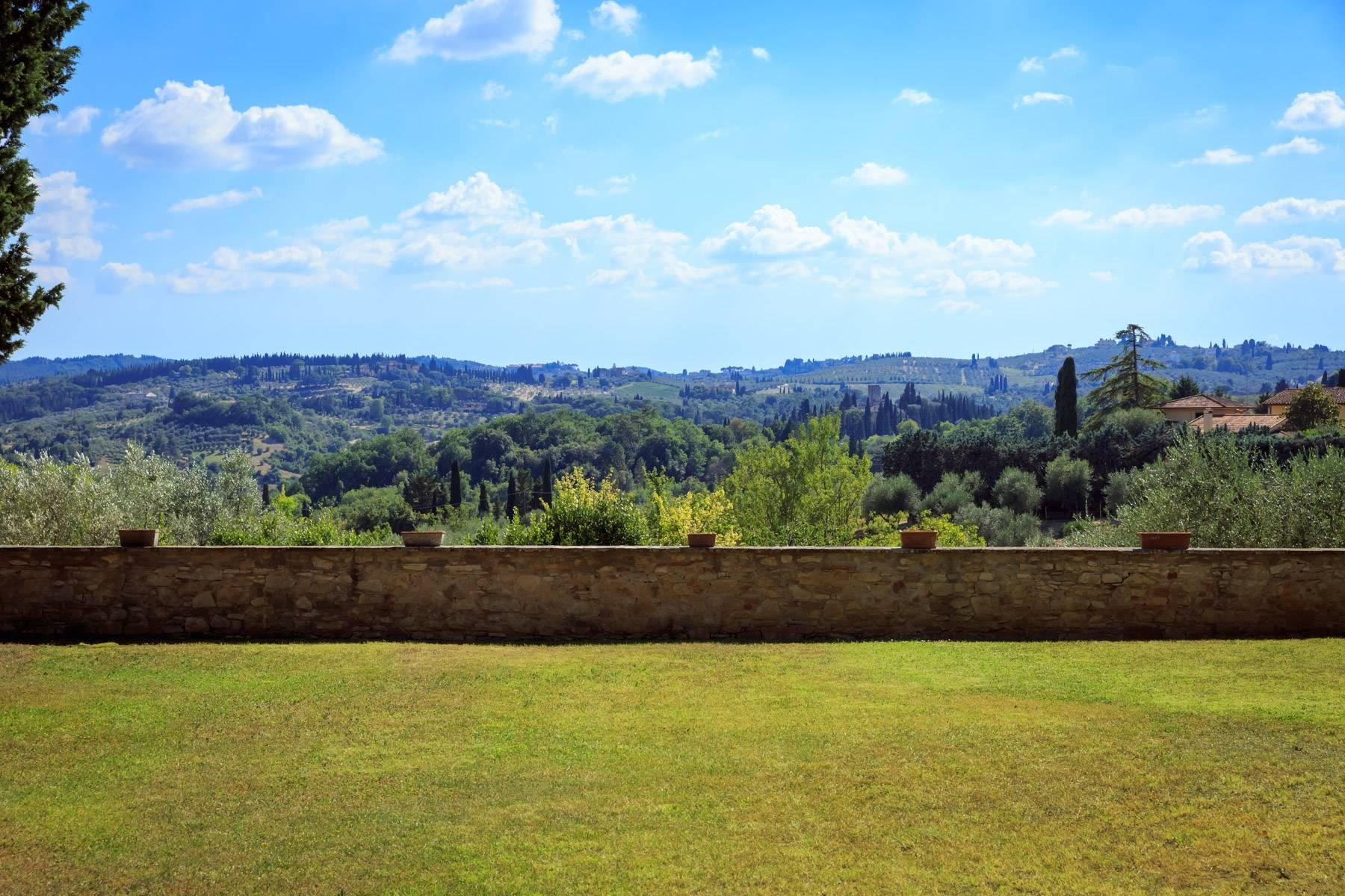 Large period villa with olive grove at 10 minutes' drive from Florence - 19