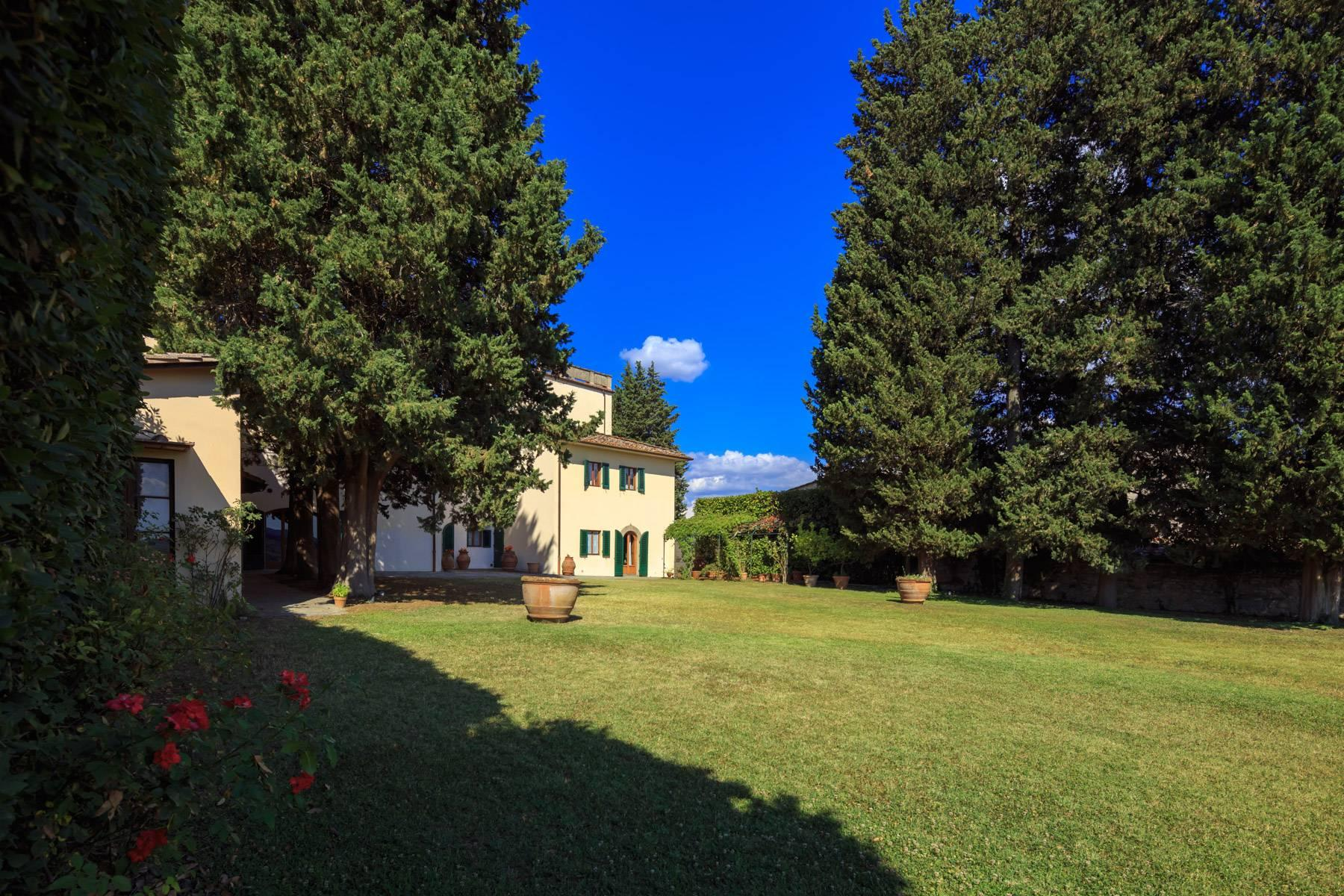 Large period villa with olive grove at 10 minutes' drive from Florence - 4
