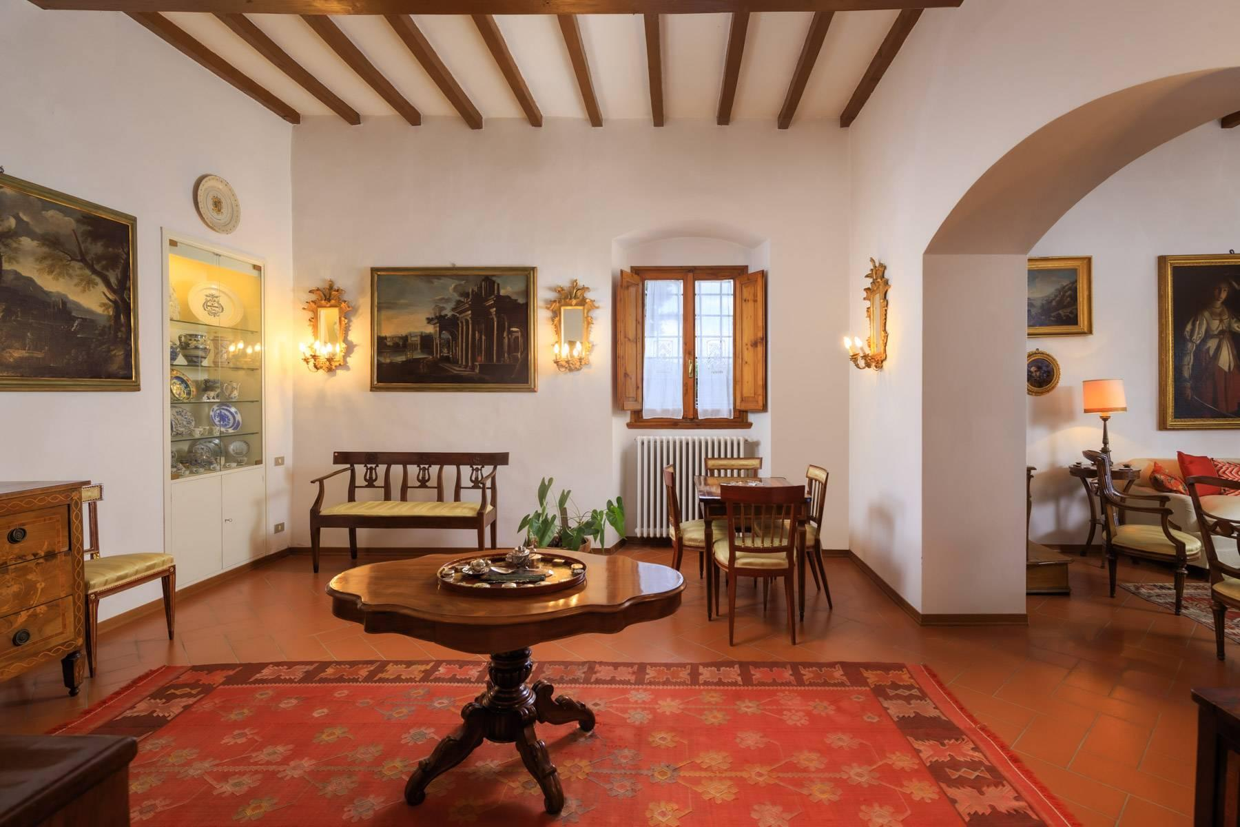 Large period villa with olive grove at 10 minutes' drive from Florence - 23