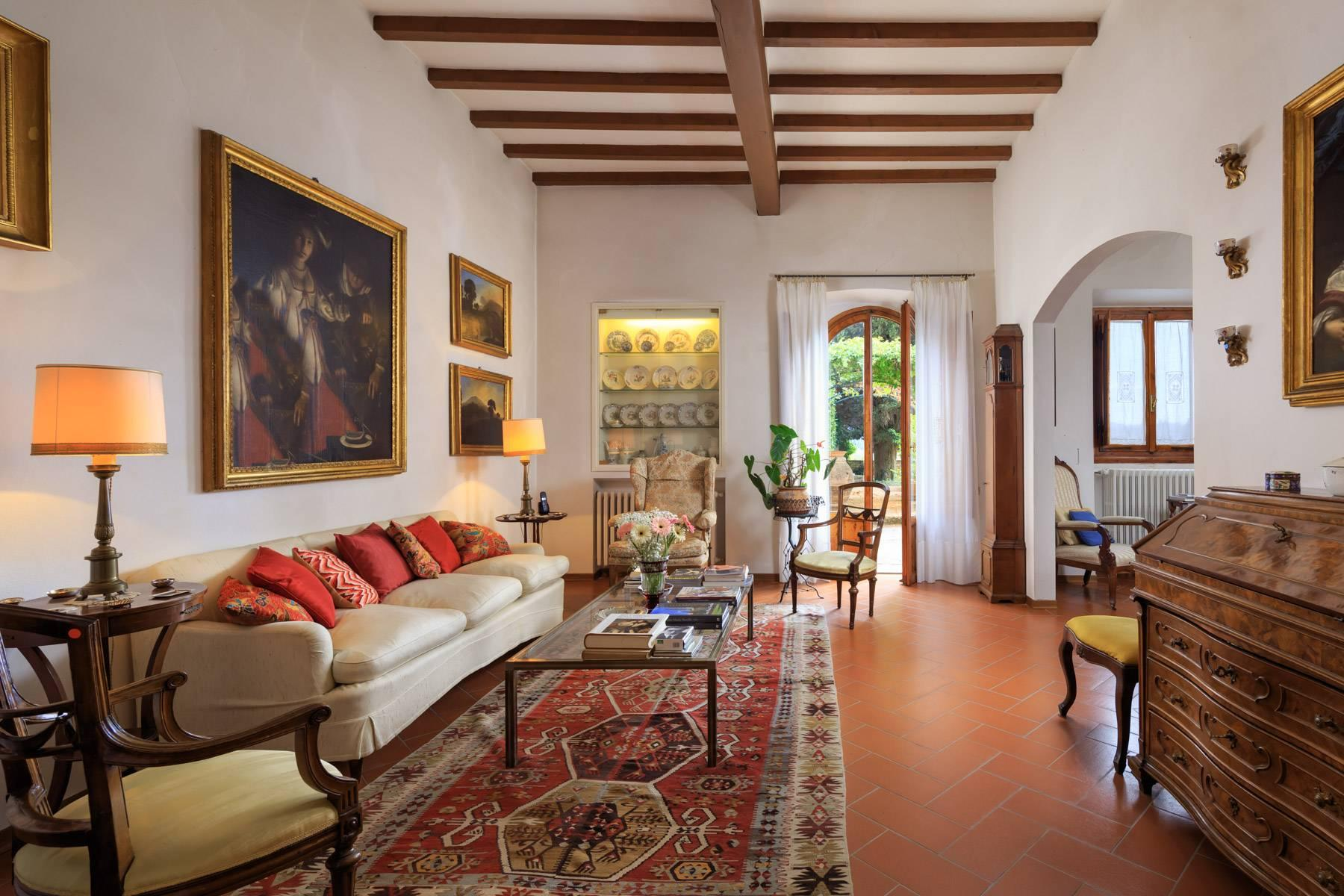 Large period villa with olive grove at 10 minutes' drive from Florence - 24