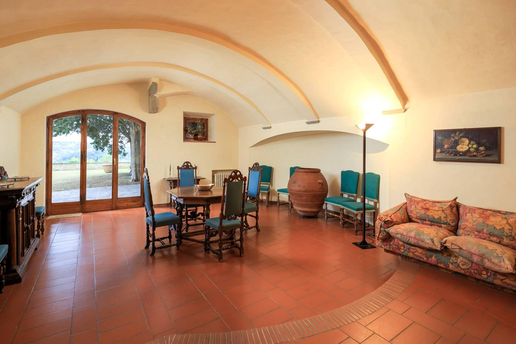 Large period villa with olive grove at 10 minutes' drive from Florence - 26