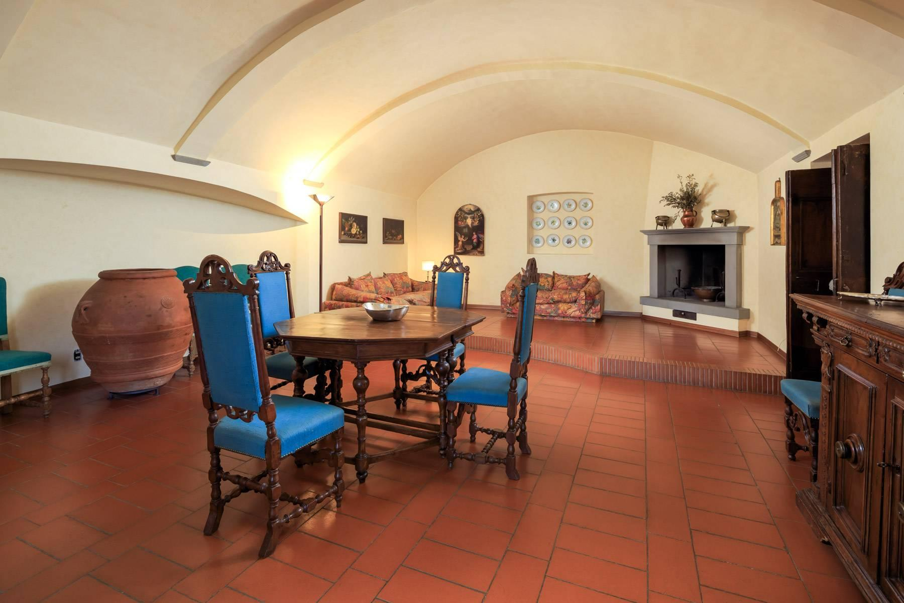 Large period villa with olive grove at 10 minutes' drive from Florence - 27