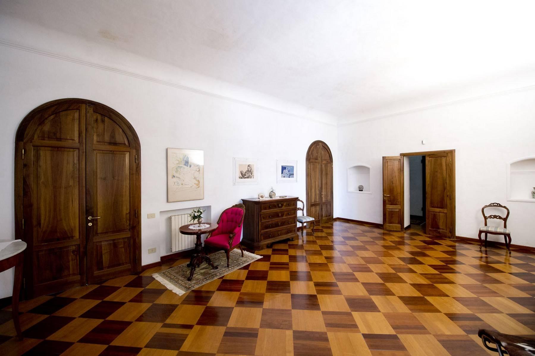 Villa aristocratique à vendre sur les collines de Sienne - 9