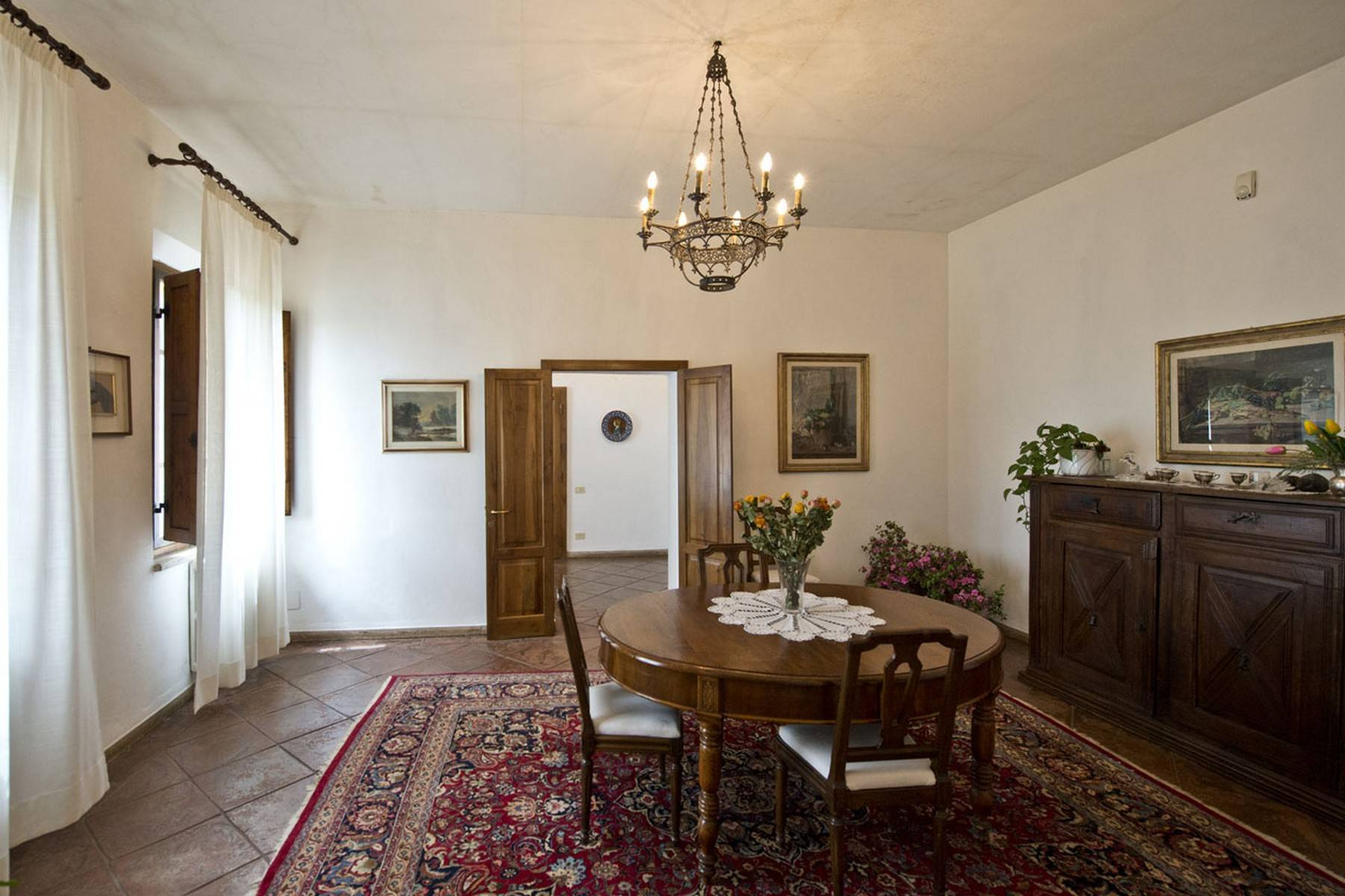 Aristocratic Villa for Sale on the Hills of Siena - 13