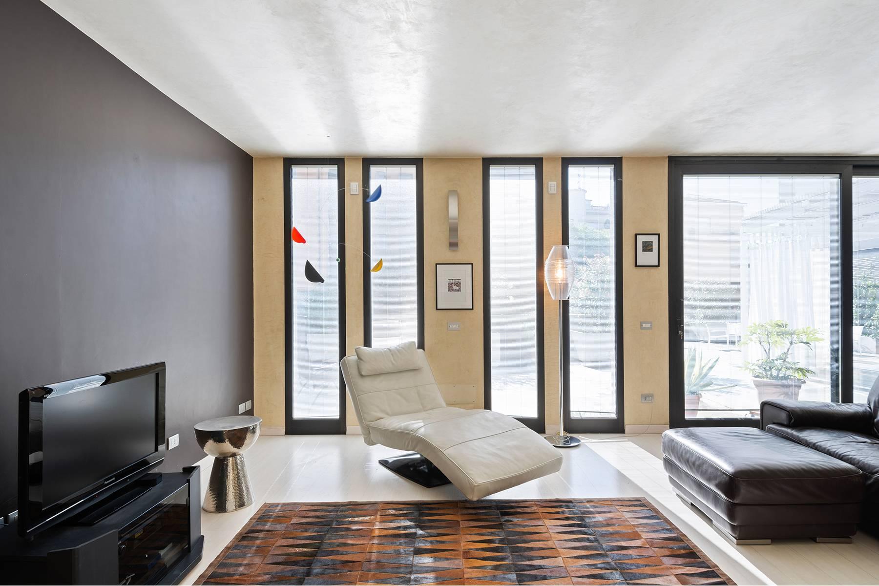Elegant and bright apartment - 16