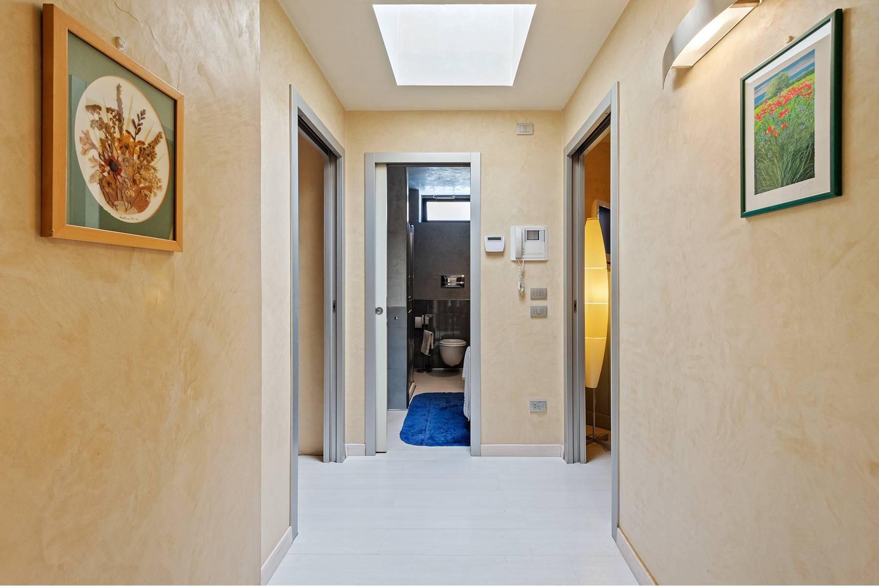 Elegant and bright apartment - 10