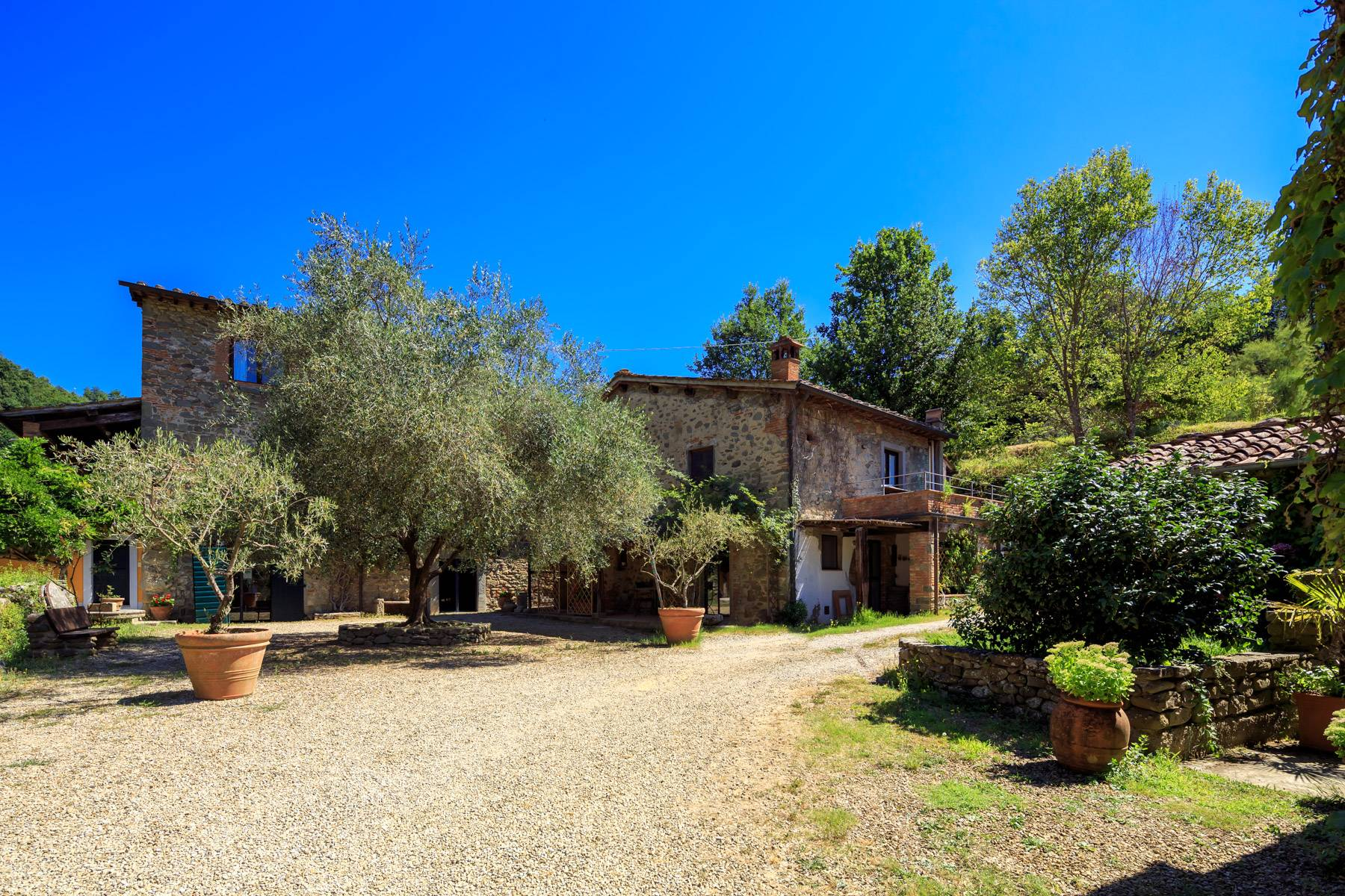Beautiful Hamlet with an Ancient-Mill in the heart of the Arno Valley - 3