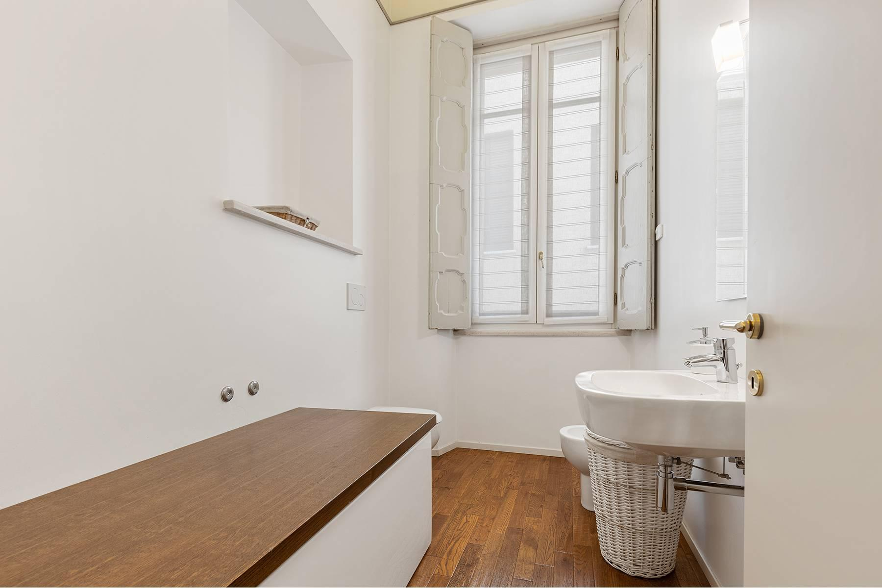 Великолепный апартамент с фресками в центре Вероны - 8