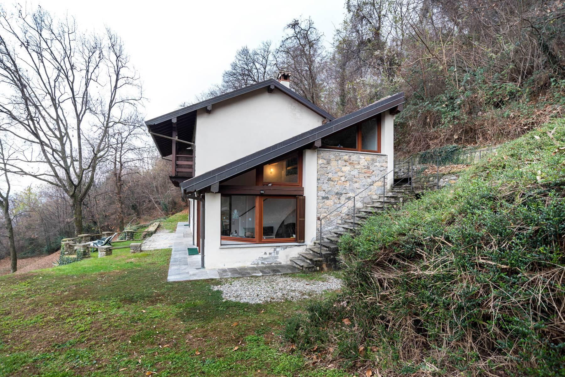 Among the hills of Massino Visconti, Villa surrounded by greenery - 4