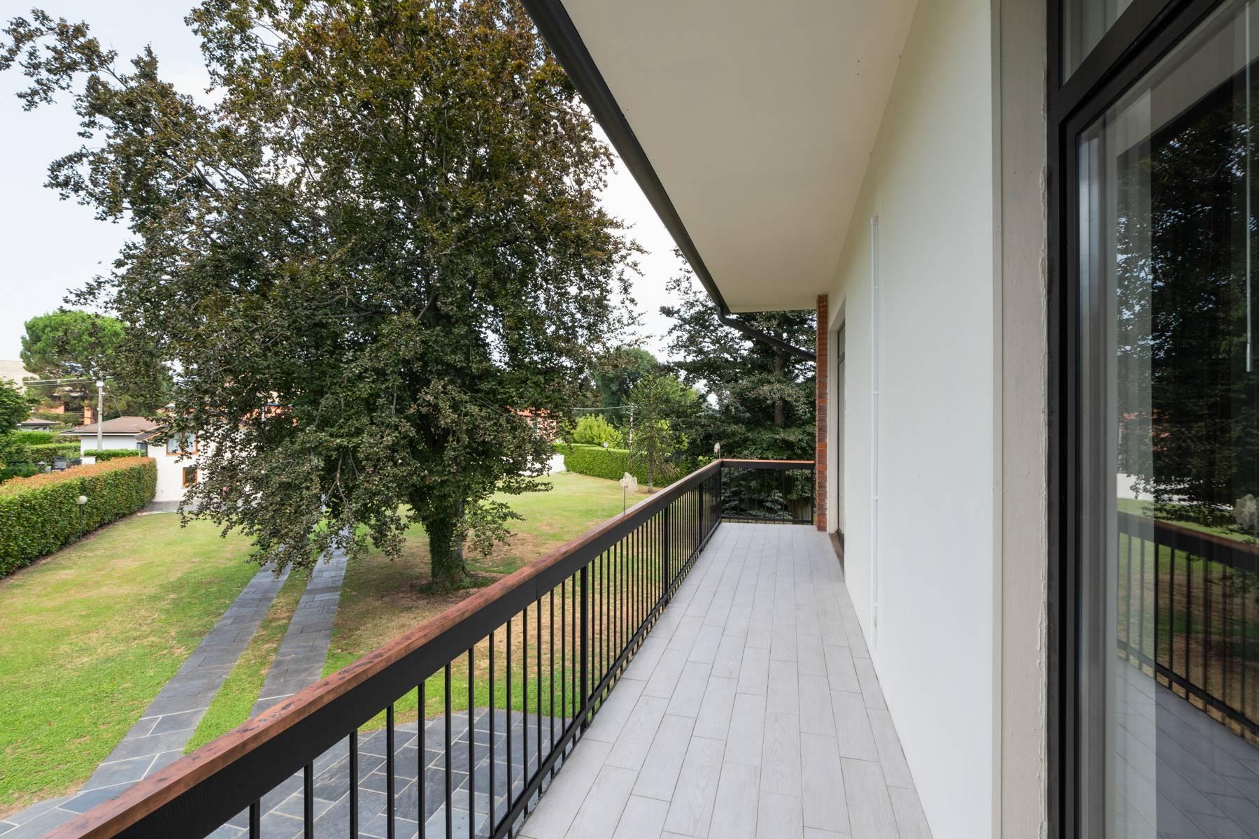 Villa con piscina e dependance a due passi dal lago - 21