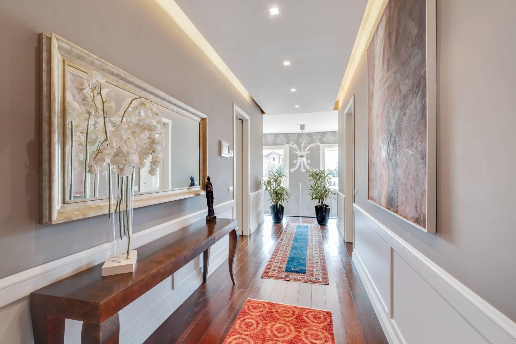 Красивый дизайнерский дом с видом на озеро в самом центре Палланцы - 22