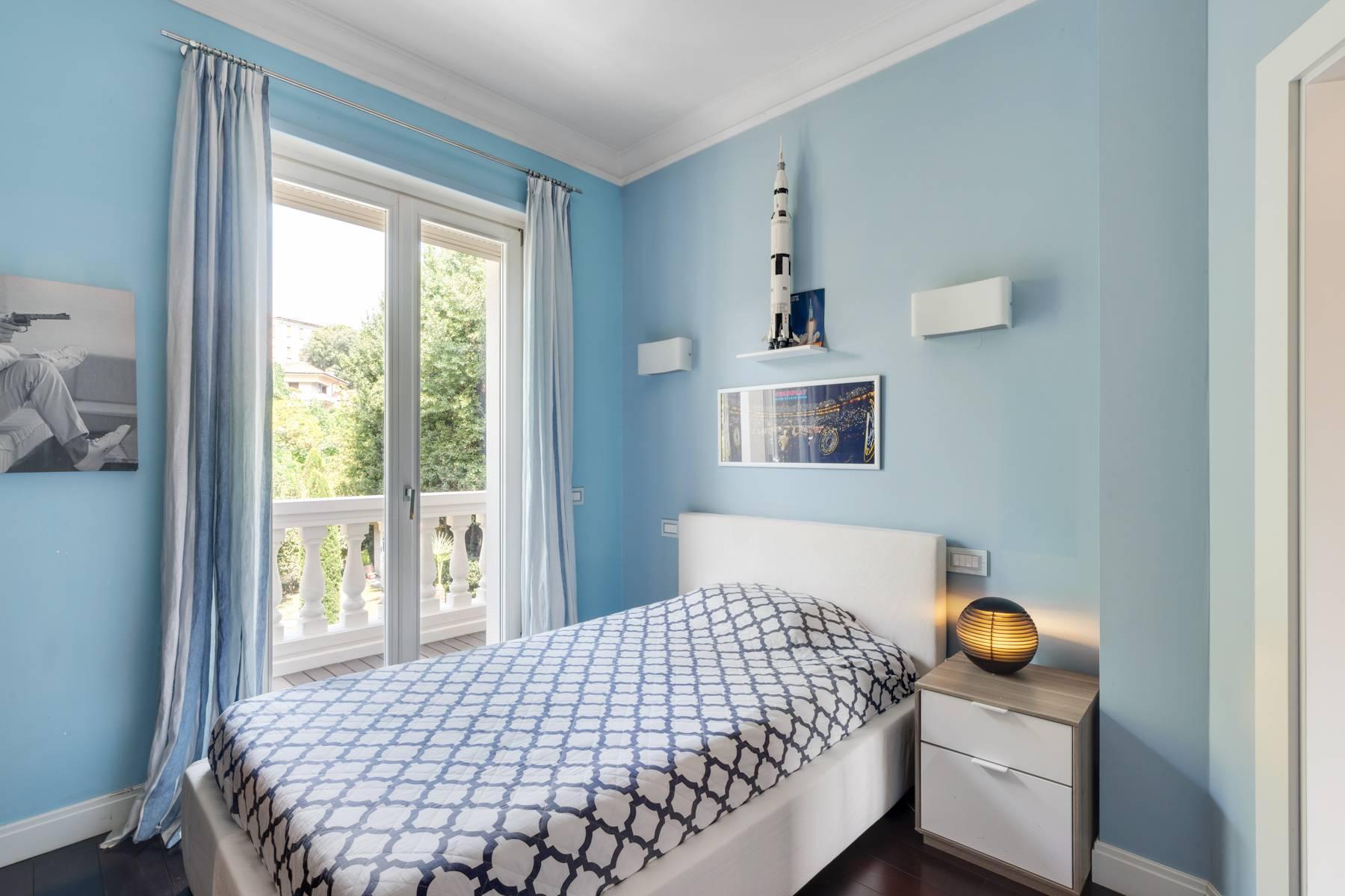 Красивый дизайнерский дом с видом на озеро в самом центре Палланцы - 29