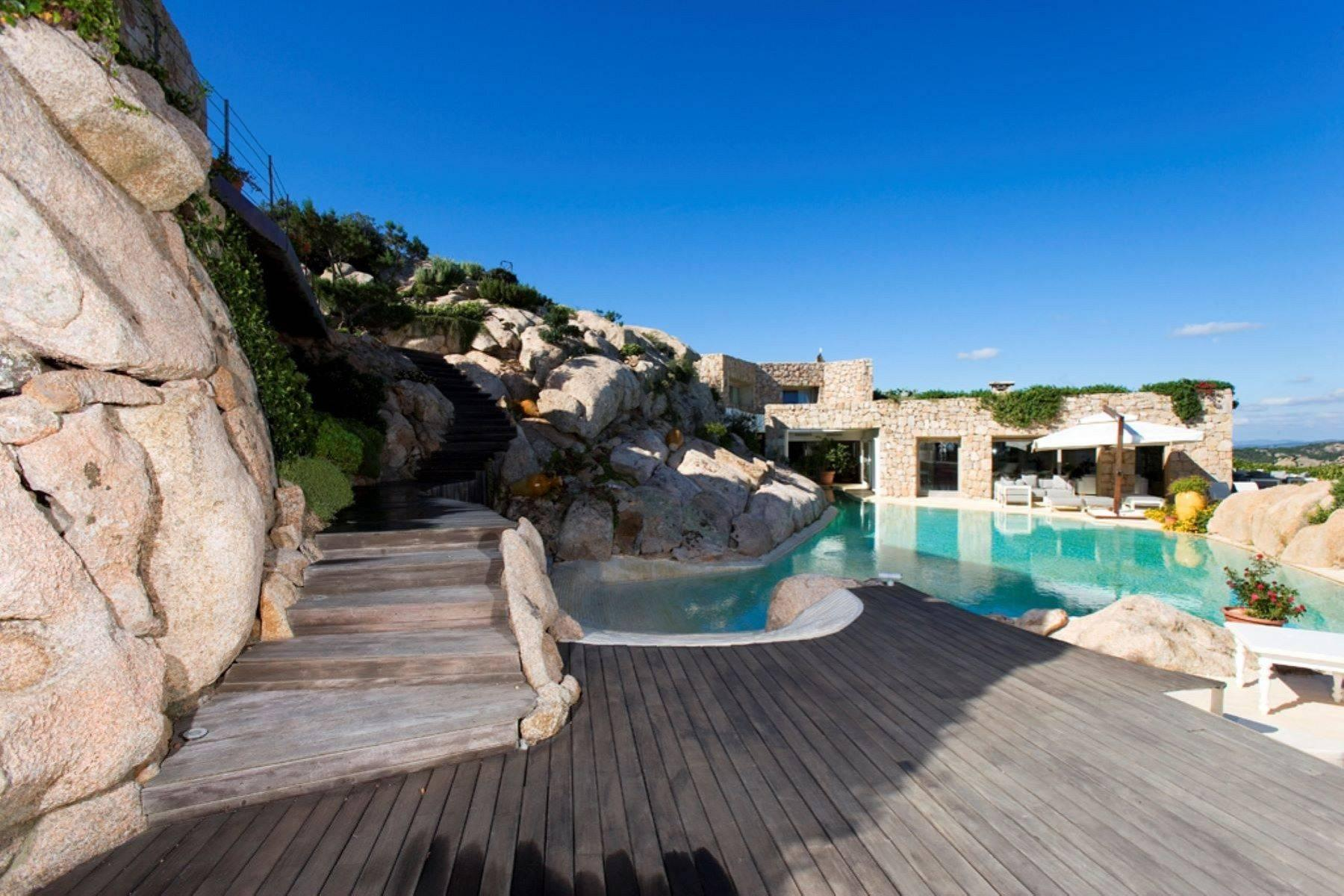 Exclusive property with stunning sea views overlooking the Costa Smeralda - 33