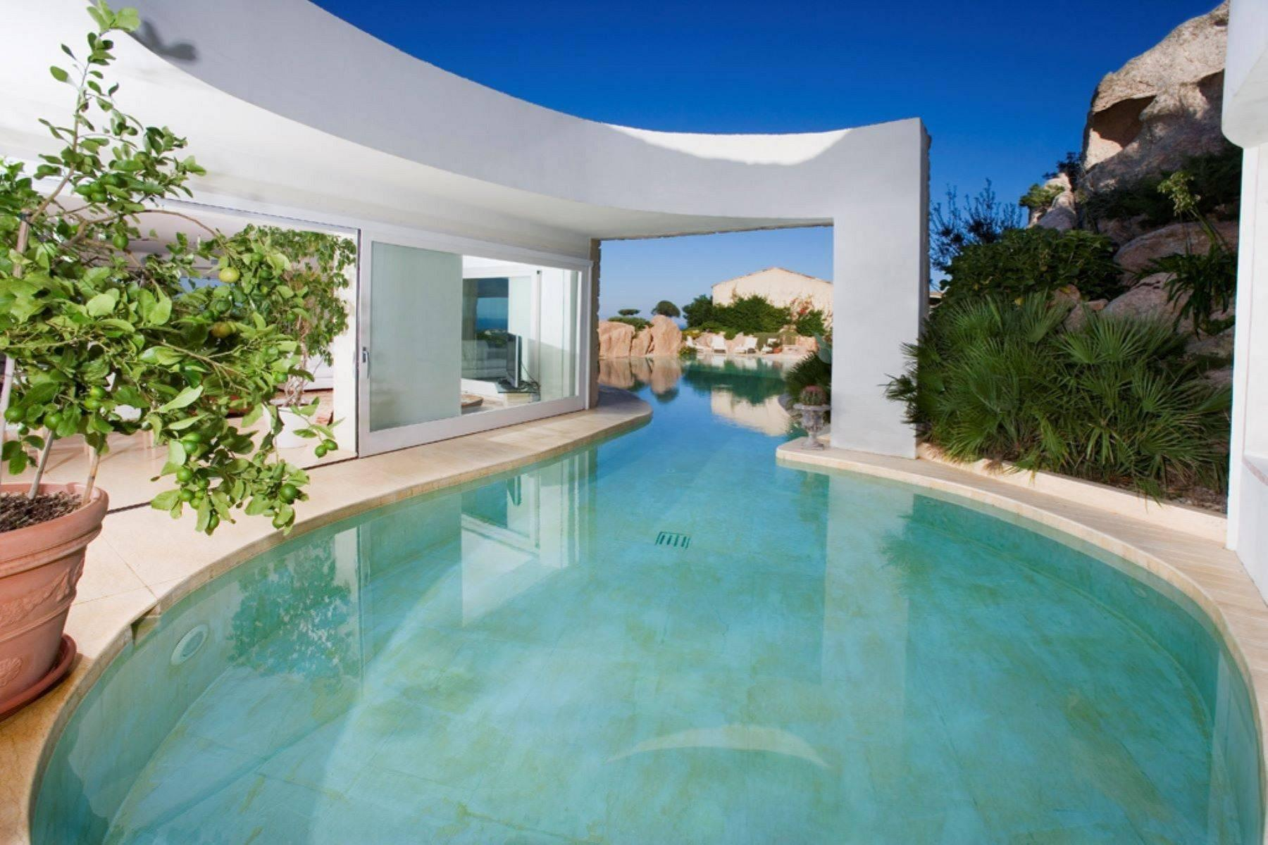 Exclusive property with stunning sea views overlooking the Costa Smeralda - 4