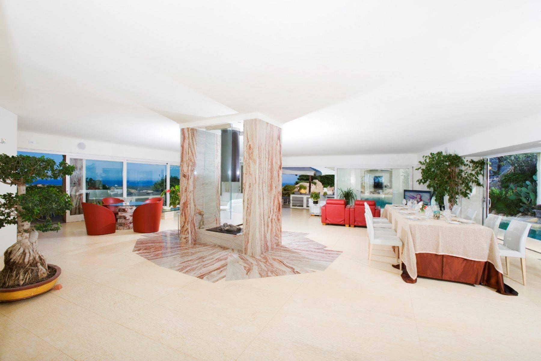 Exclusive property with stunning sea views overlooking the Costa Smeralda - 6