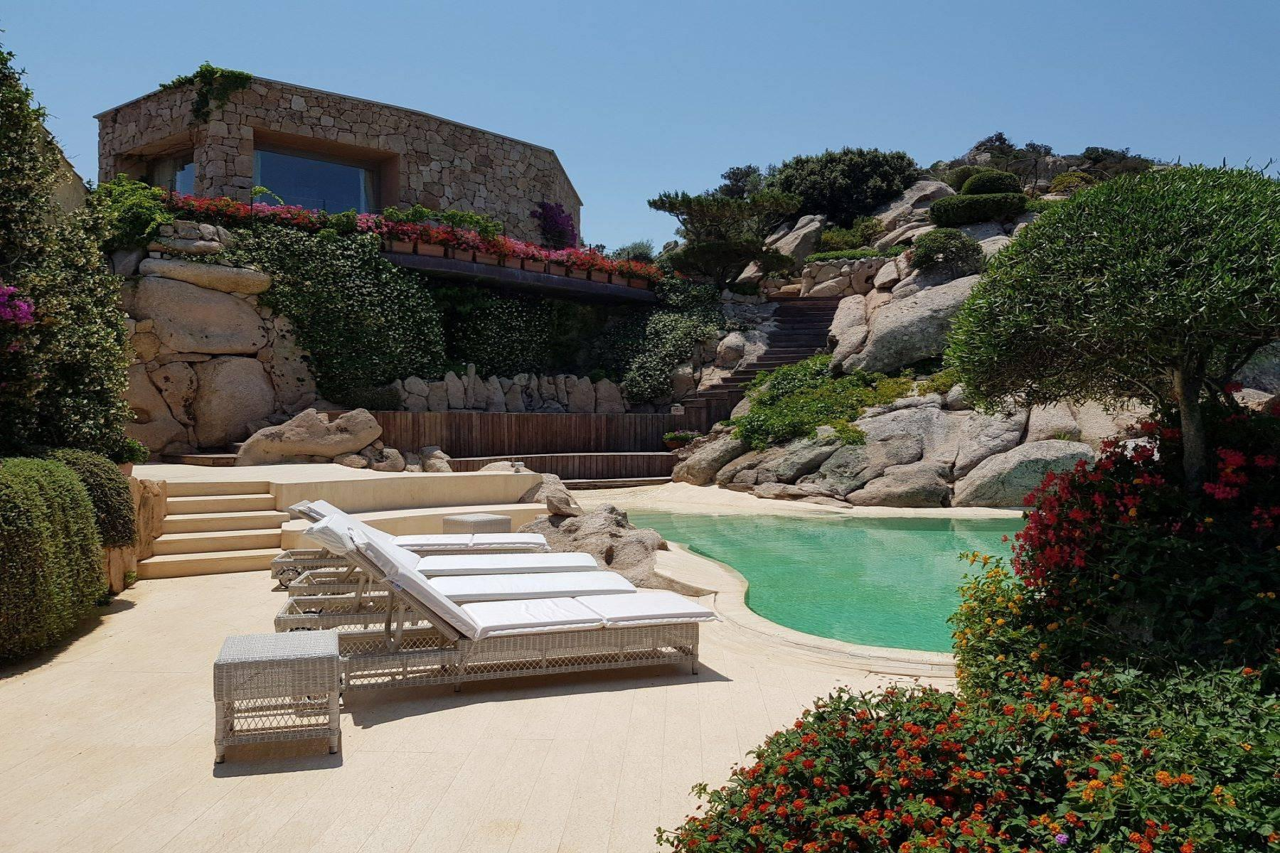 Exclusive property with stunning sea views overlooking the Costa Smeralda - 12