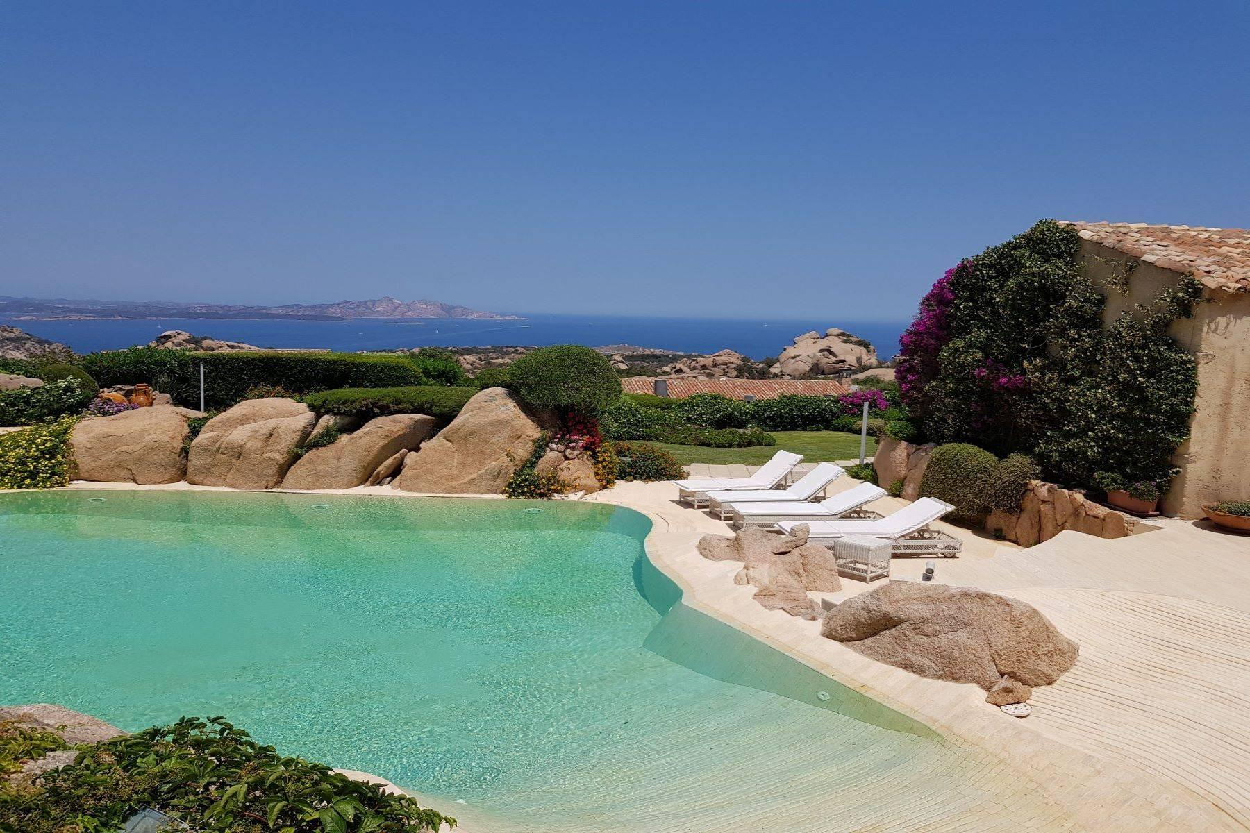 Exclusive property with stunning sea views overlooking the Costa Smeralda - 15