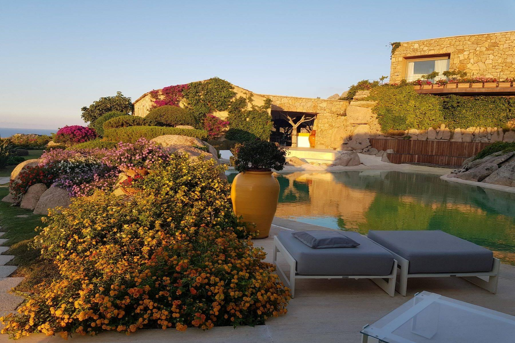 Exclusive property with stunning sea views overlooking the Costa Smeralda - 30