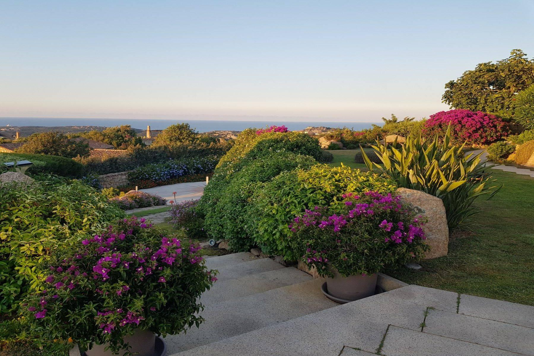 Exclusive property with stunning sea views overlooking the Costa Smeralda - 31