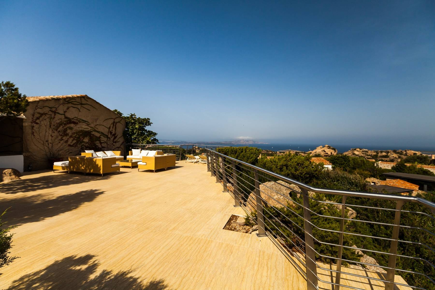 Exclusive property with stunning sea views overlooking the Costa Smeralda - 29