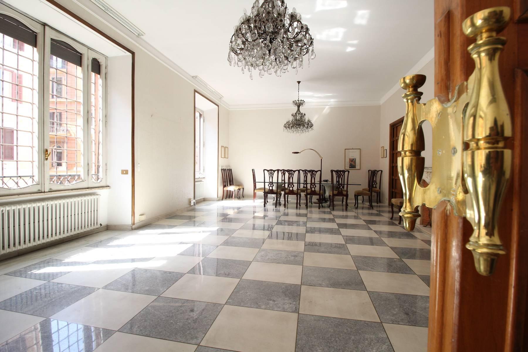 Prestigioso ufficio nel centro storico di Roma - 10