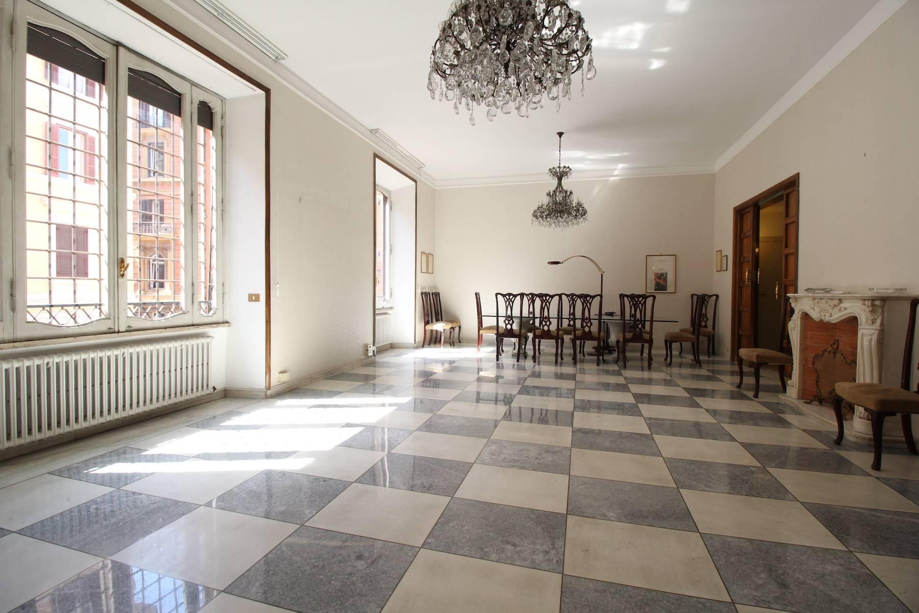 Prestigioso ufficio nel centro storico di Roma - 12
