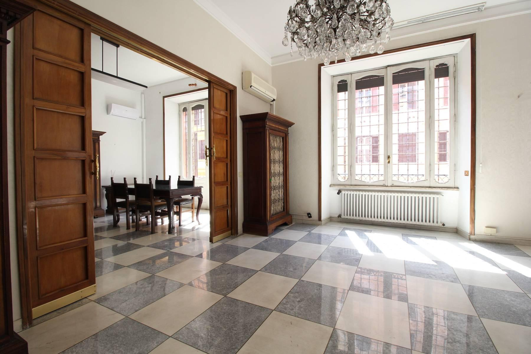 Prestigious office in Rome's historic city center - 7