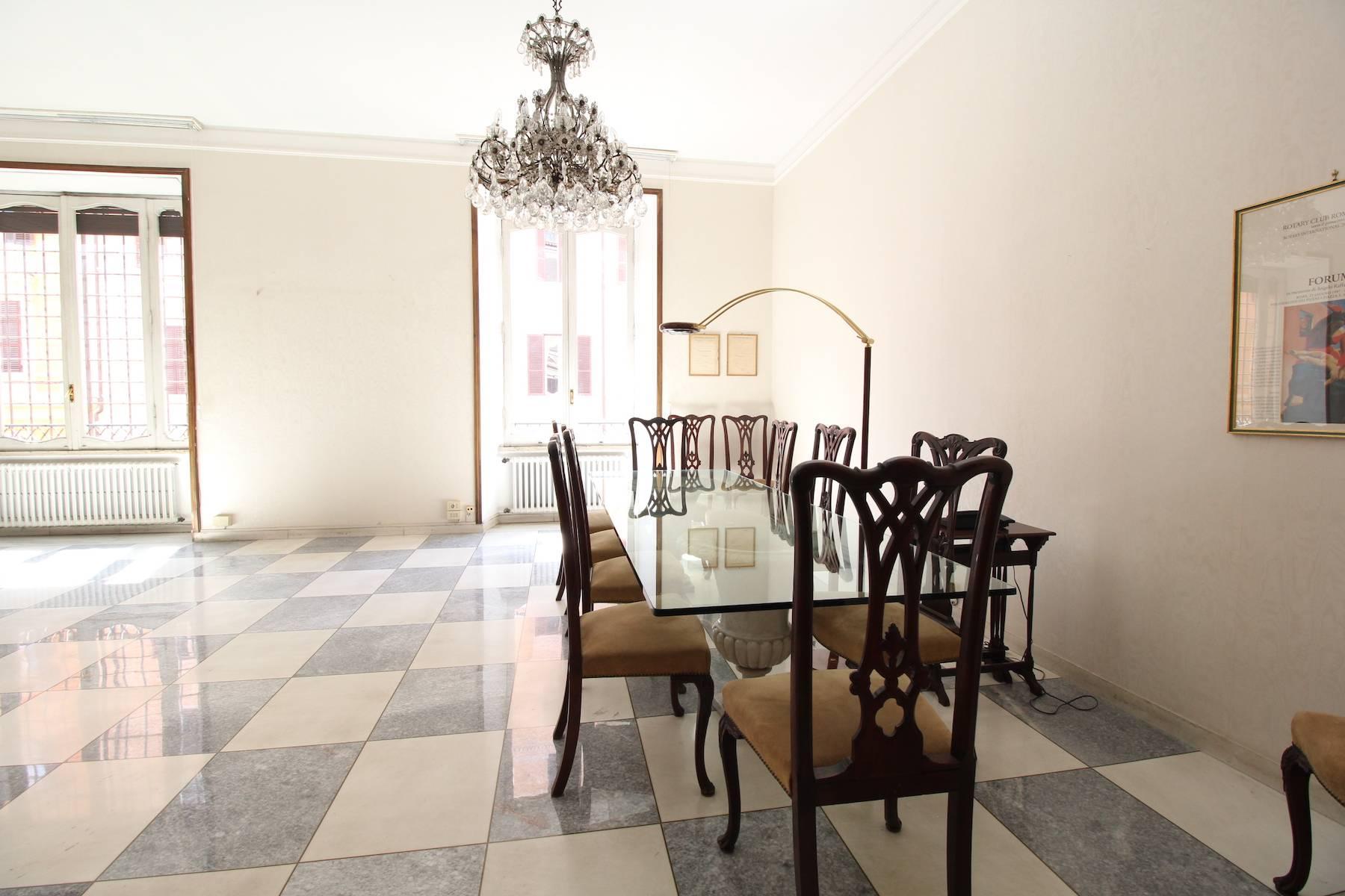 Prestigioso ufficio nel centro storico di Roma - 17