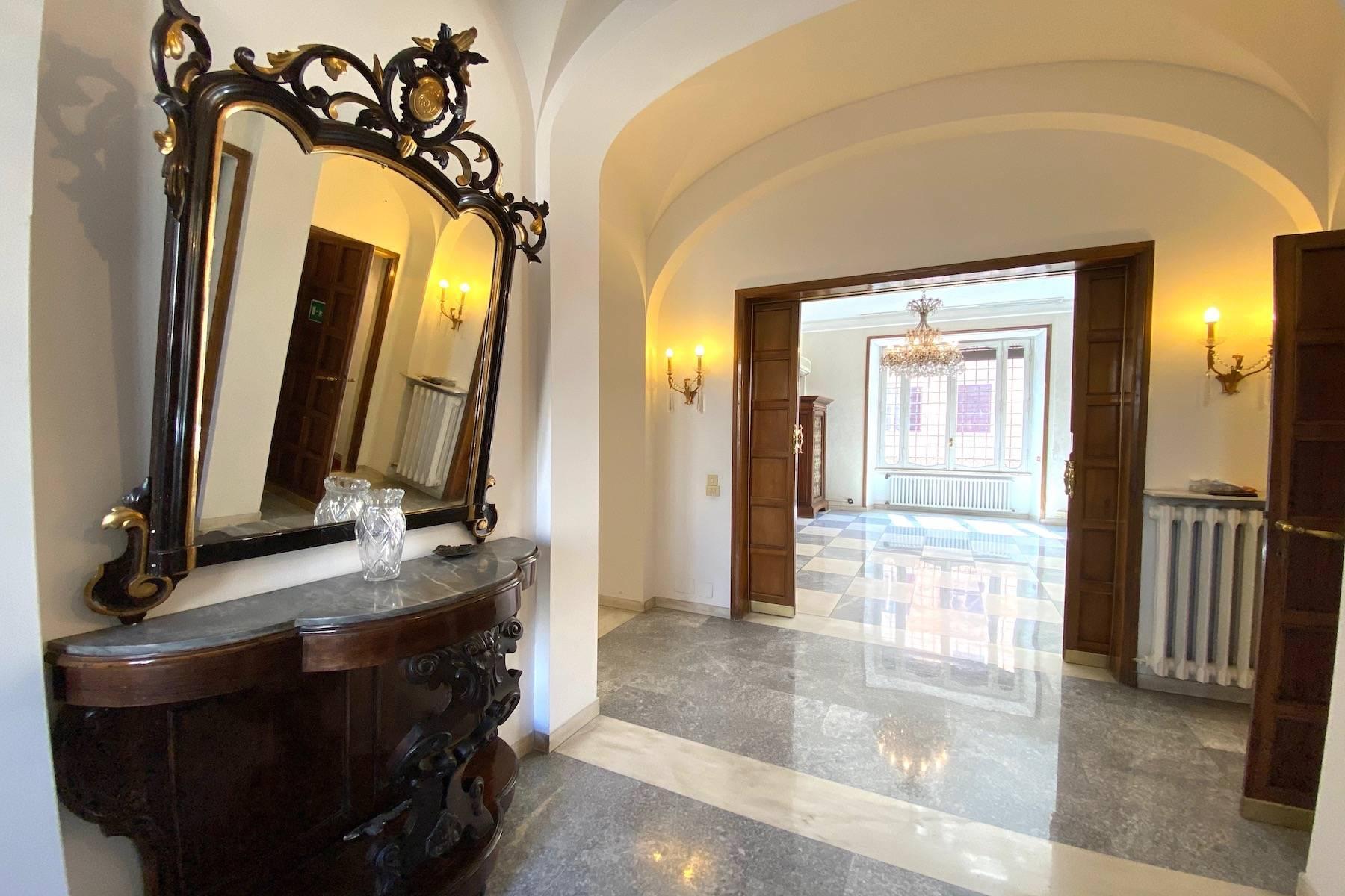 Prestigioso ufficio nel centro storico di Roma - 33