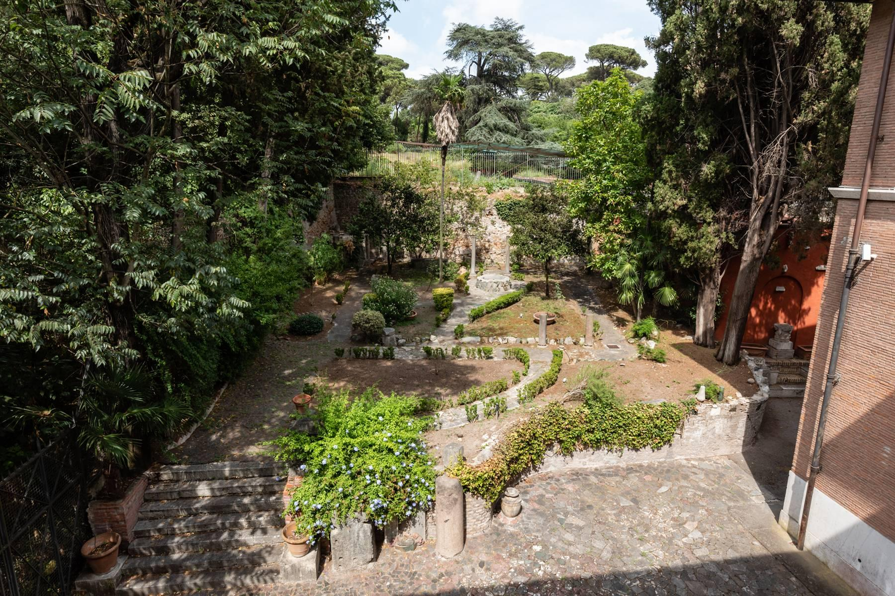 Elegant classical  Villa in the heart of Rome's archaeological ruins - 17