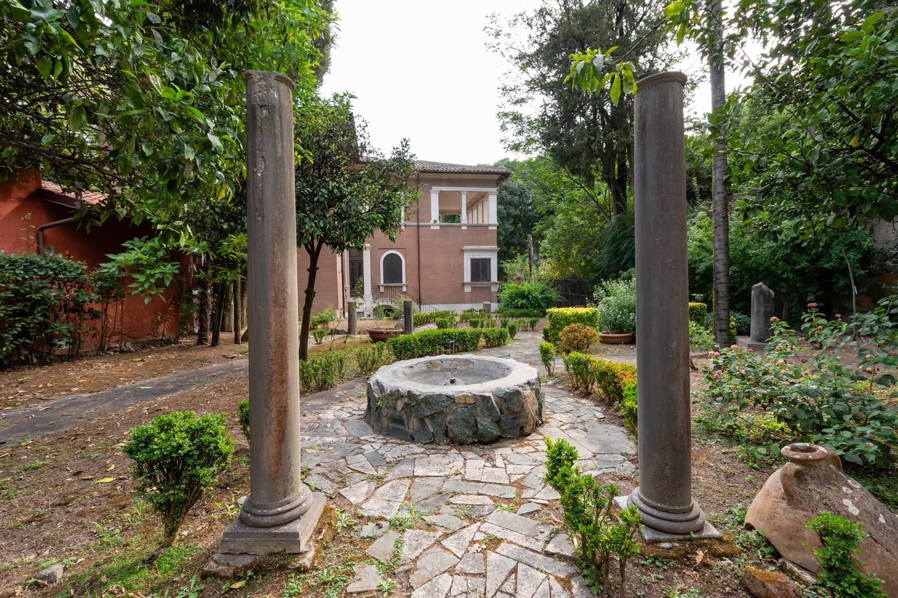 Elegant classical  Villa in the heart of Rome's archaeological ruins - 12