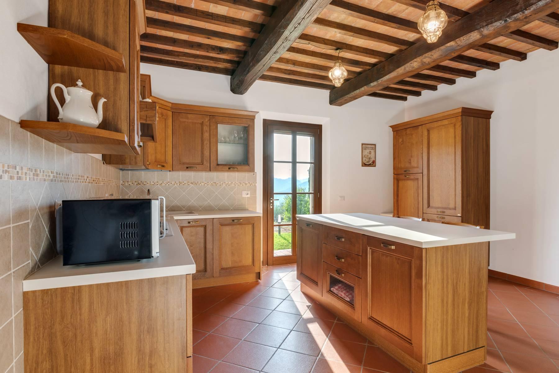Bauernhaus mit Pool auf den Hügeln der Toskana - 17