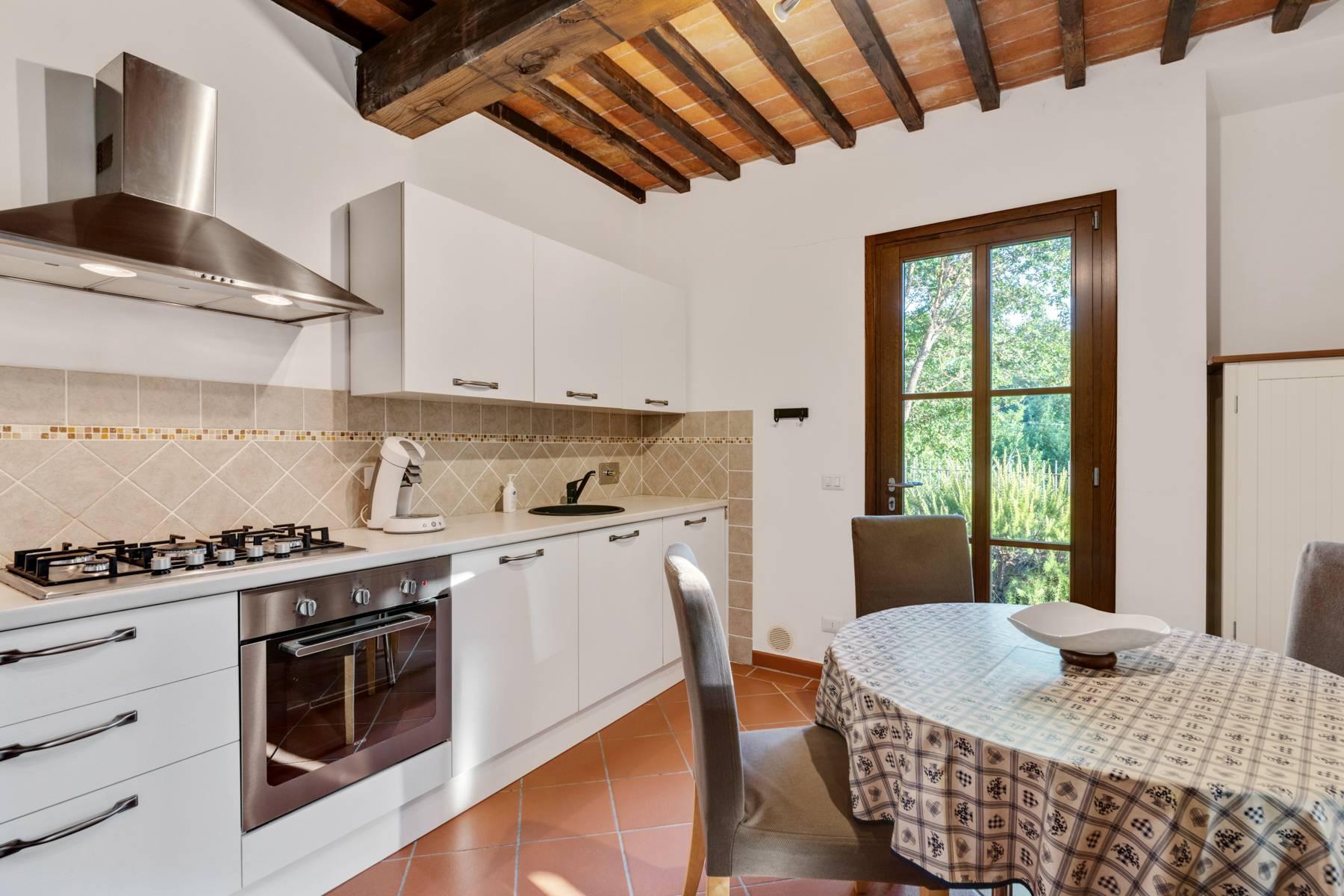 Bauernhaus mit Pool auf den Hügeln der Toskana - 16