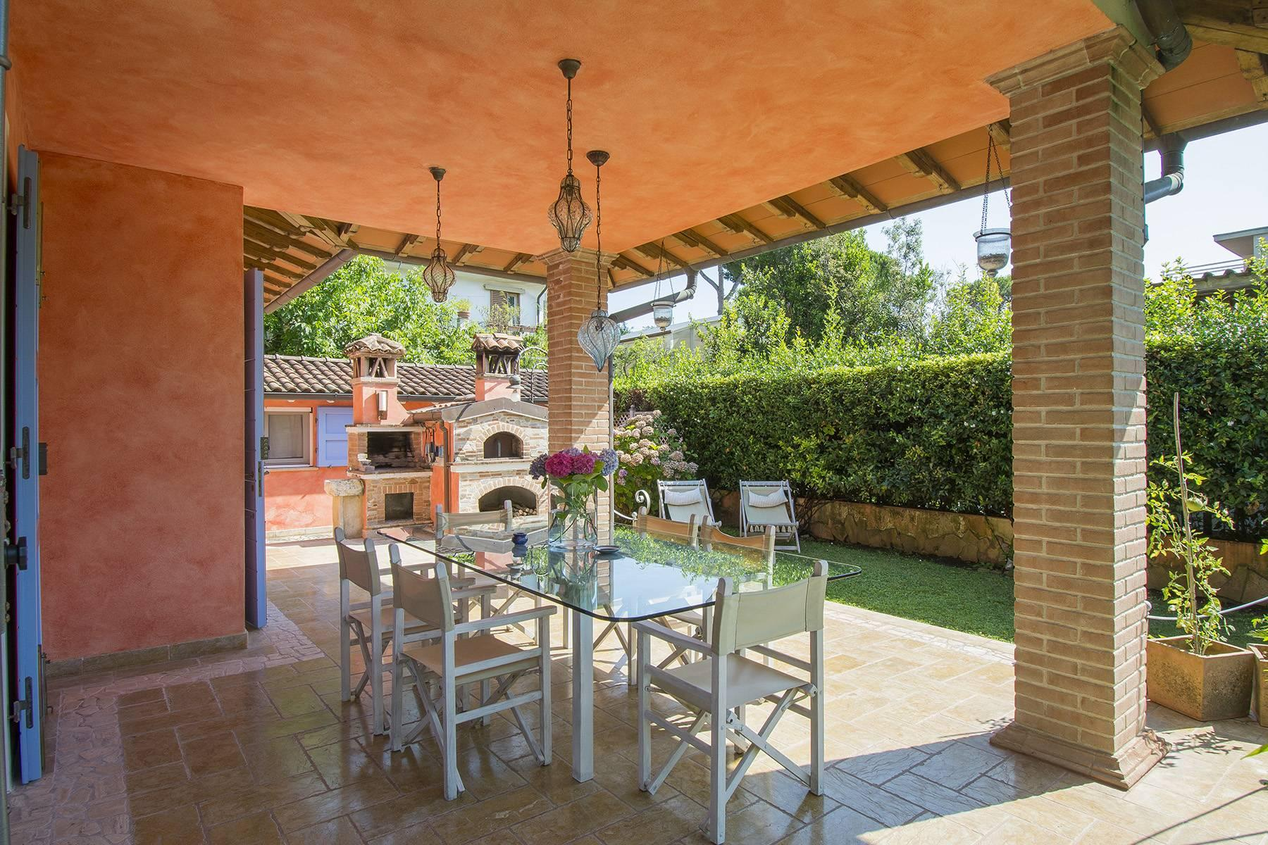 Delightful villa a few steps from the beaches of Versilia - 12