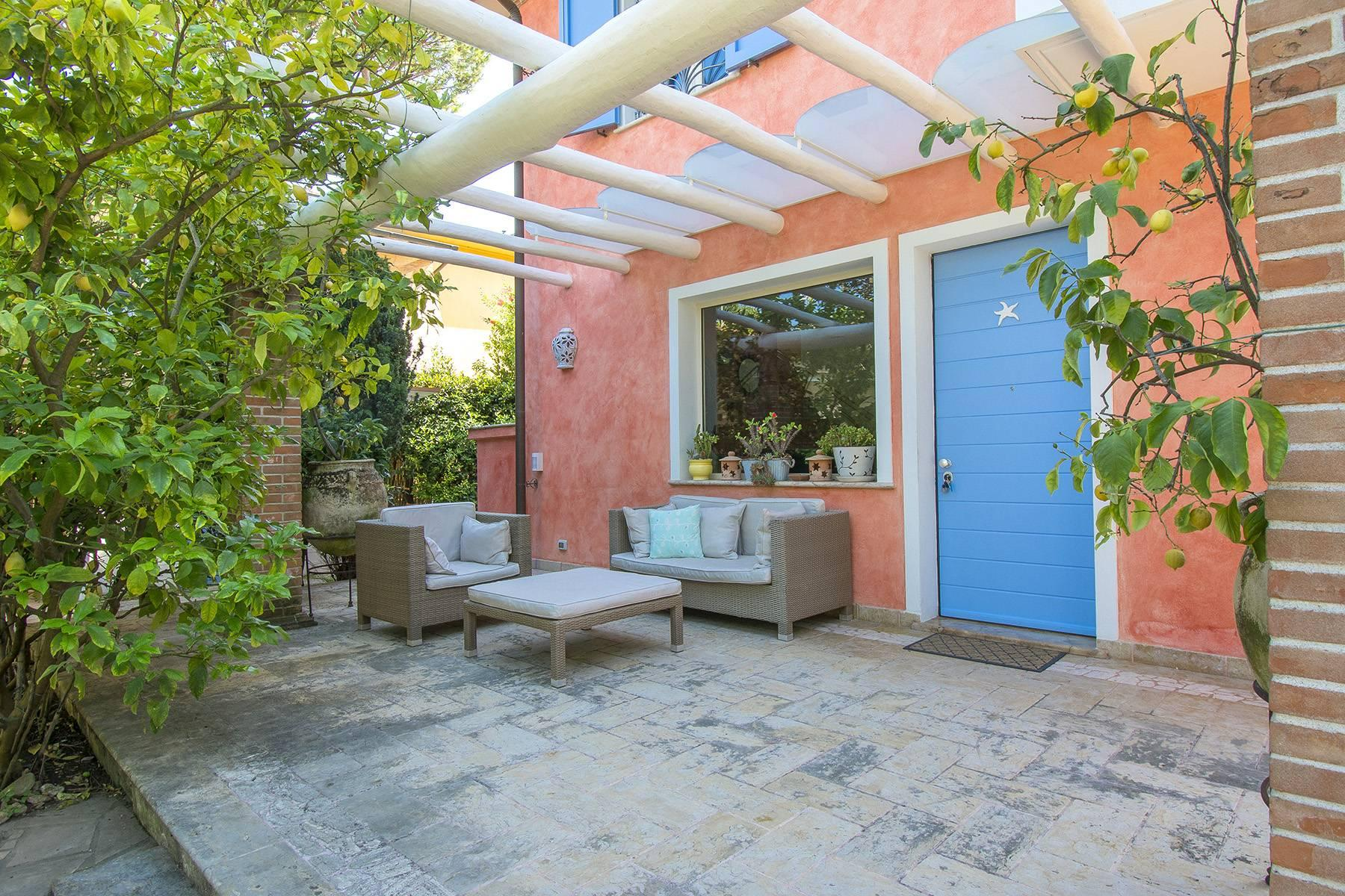 Delightful villa a few steps from the beaches of Versilia - 3