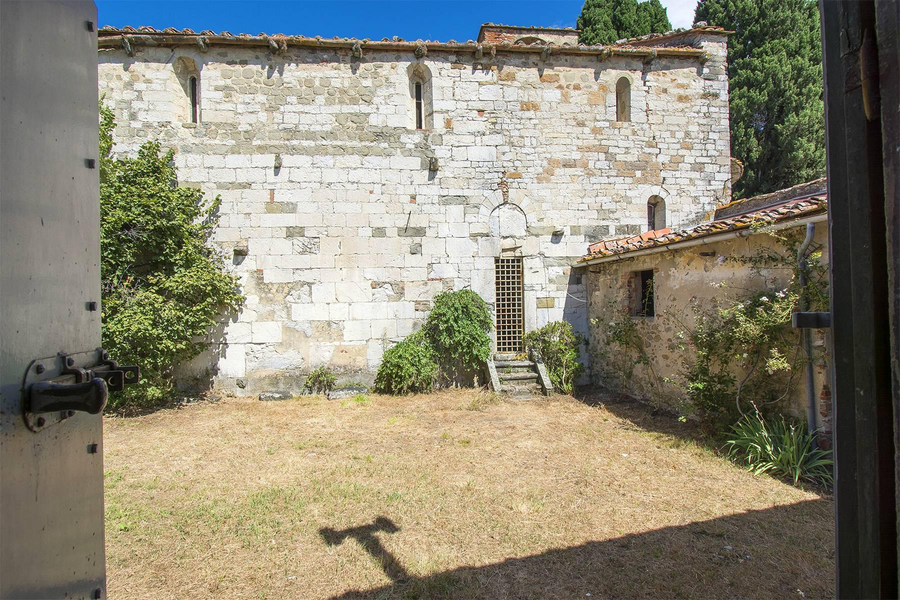 Charming farmhouse with a Xth century parish church in the Pistoia countryside - 18