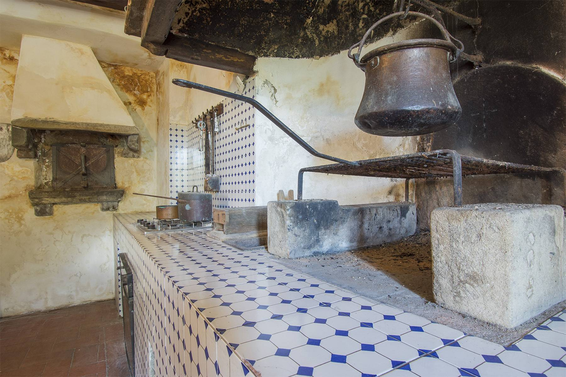 Charming farmhouse with a Xth century parish church in the Pistoia countryside - 10