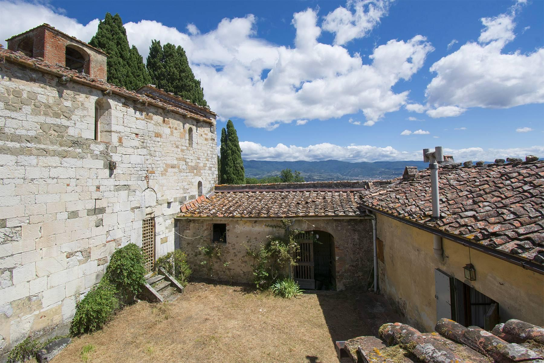 Charming farmhouse with a Xth century parish church in the Pistoia countryside - 8