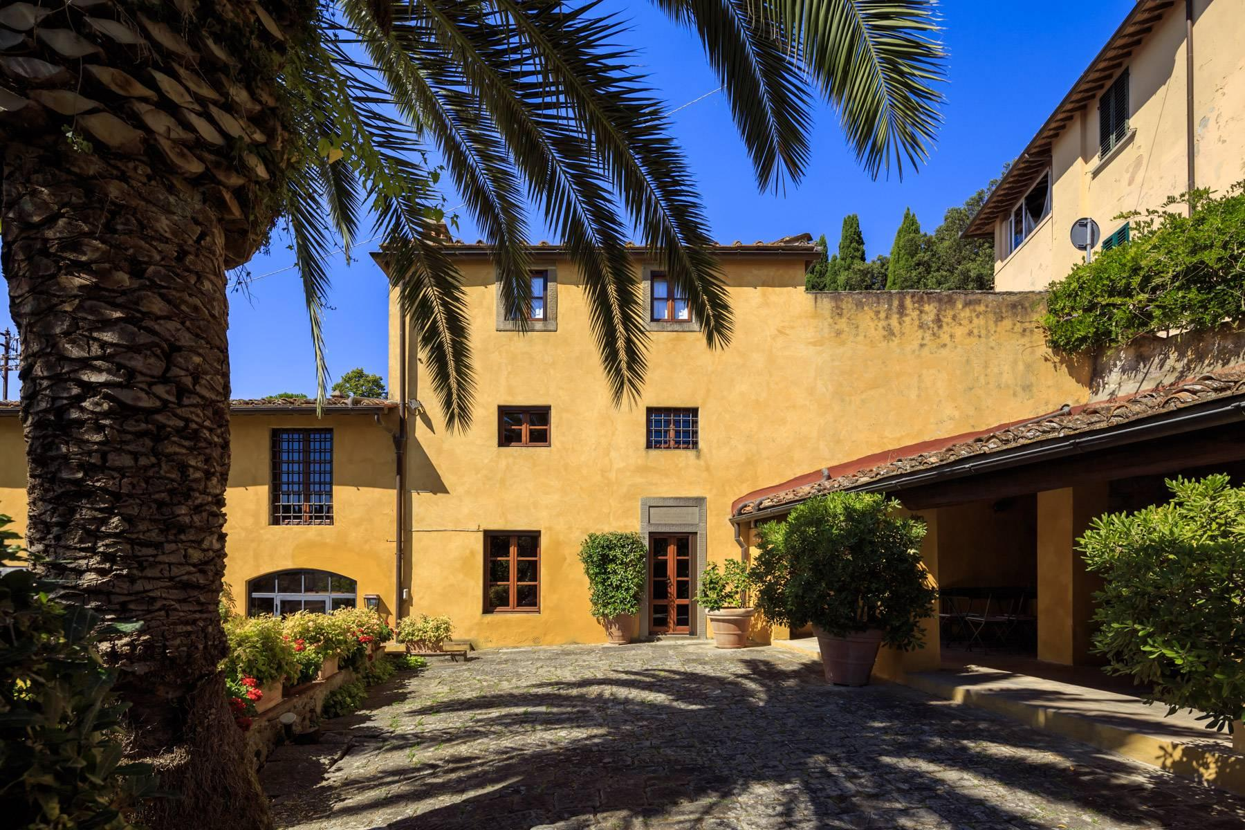 Beautiful villa with heated pool between Florence and Fiesole - 16