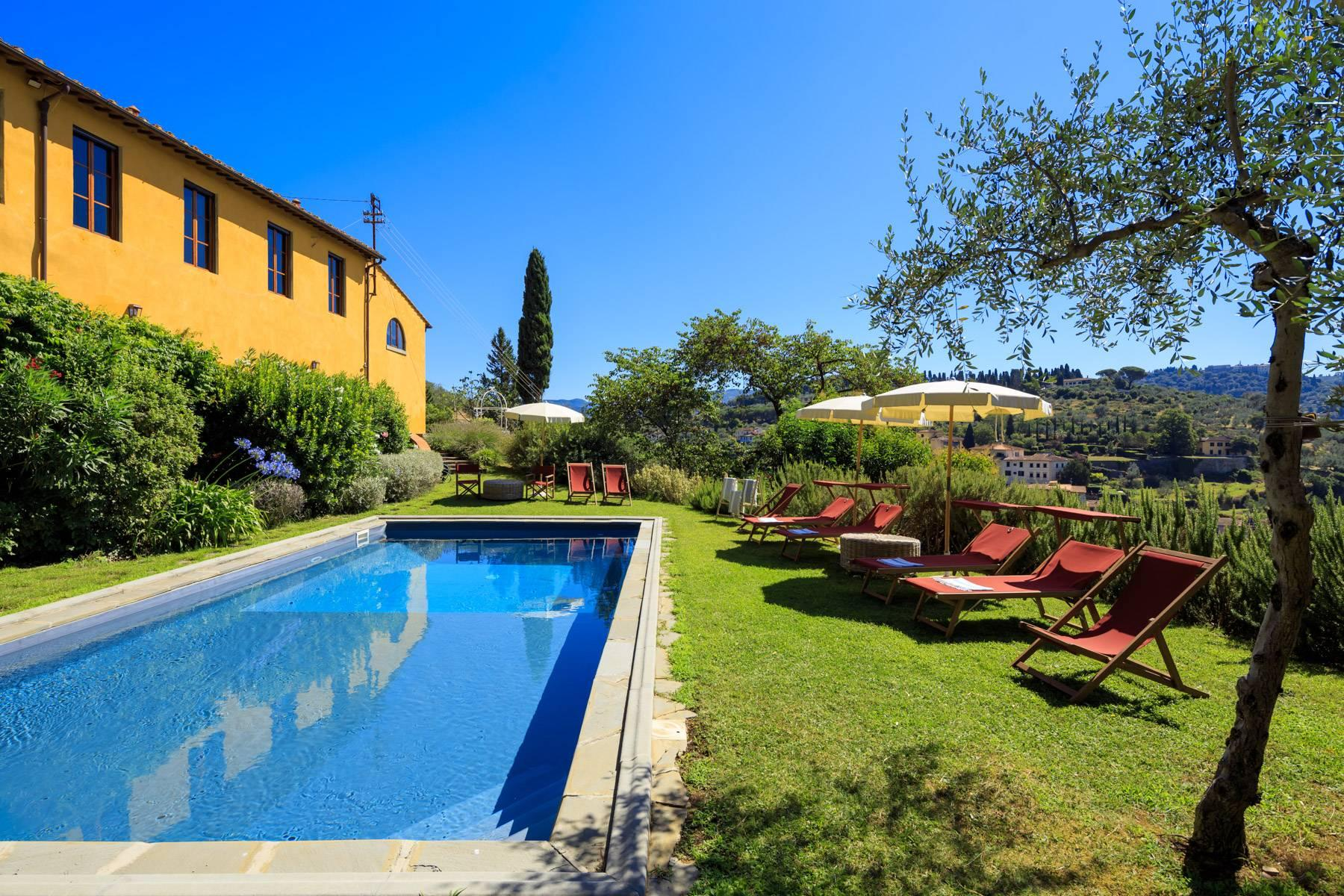 Beautiful villa with heated pool between Florence and Fiesole - 2