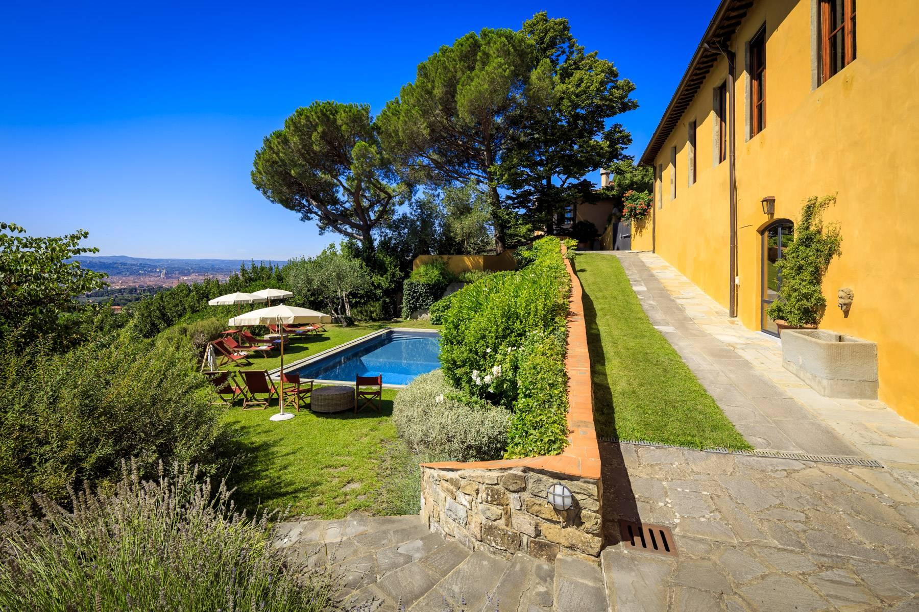 Beautiful villa with heated pool between Florence and Fiesole - 9