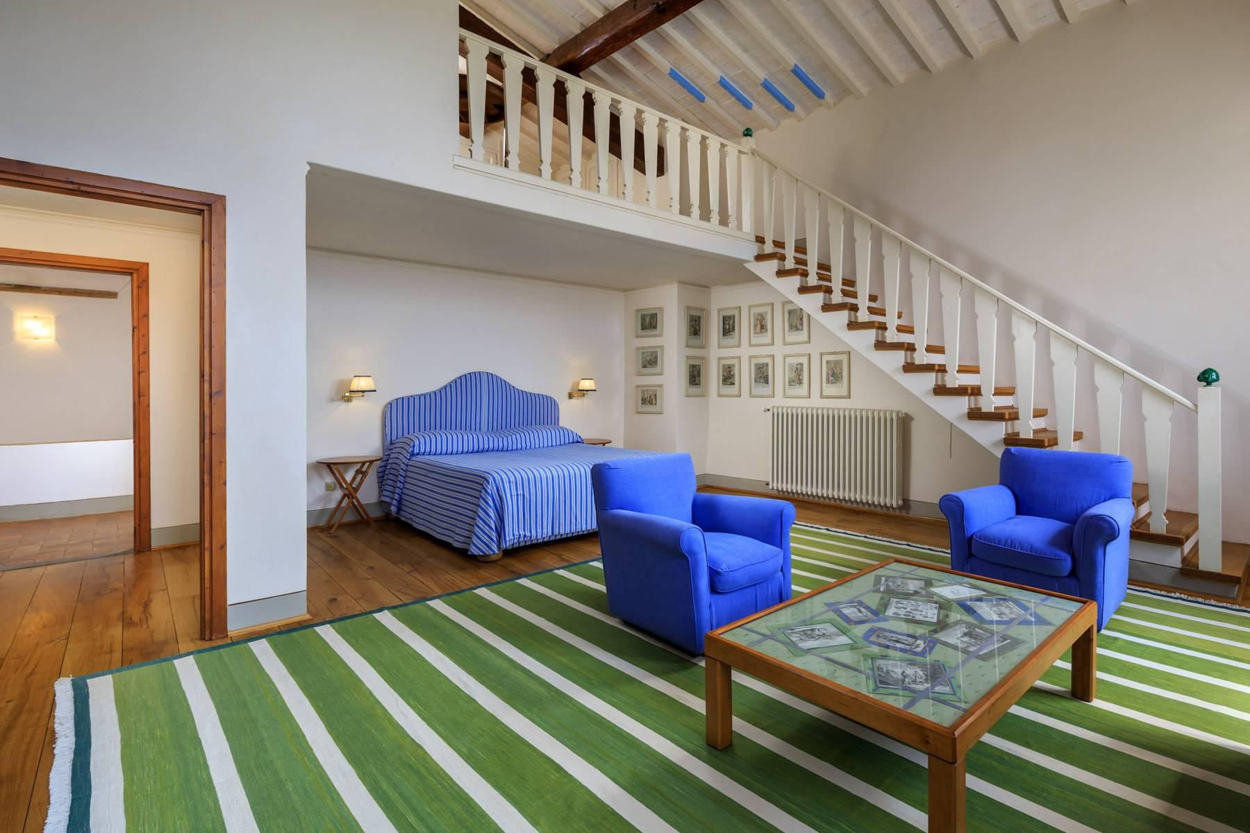 Beautiful villa with heated pool between Florence and Fiesole - 24